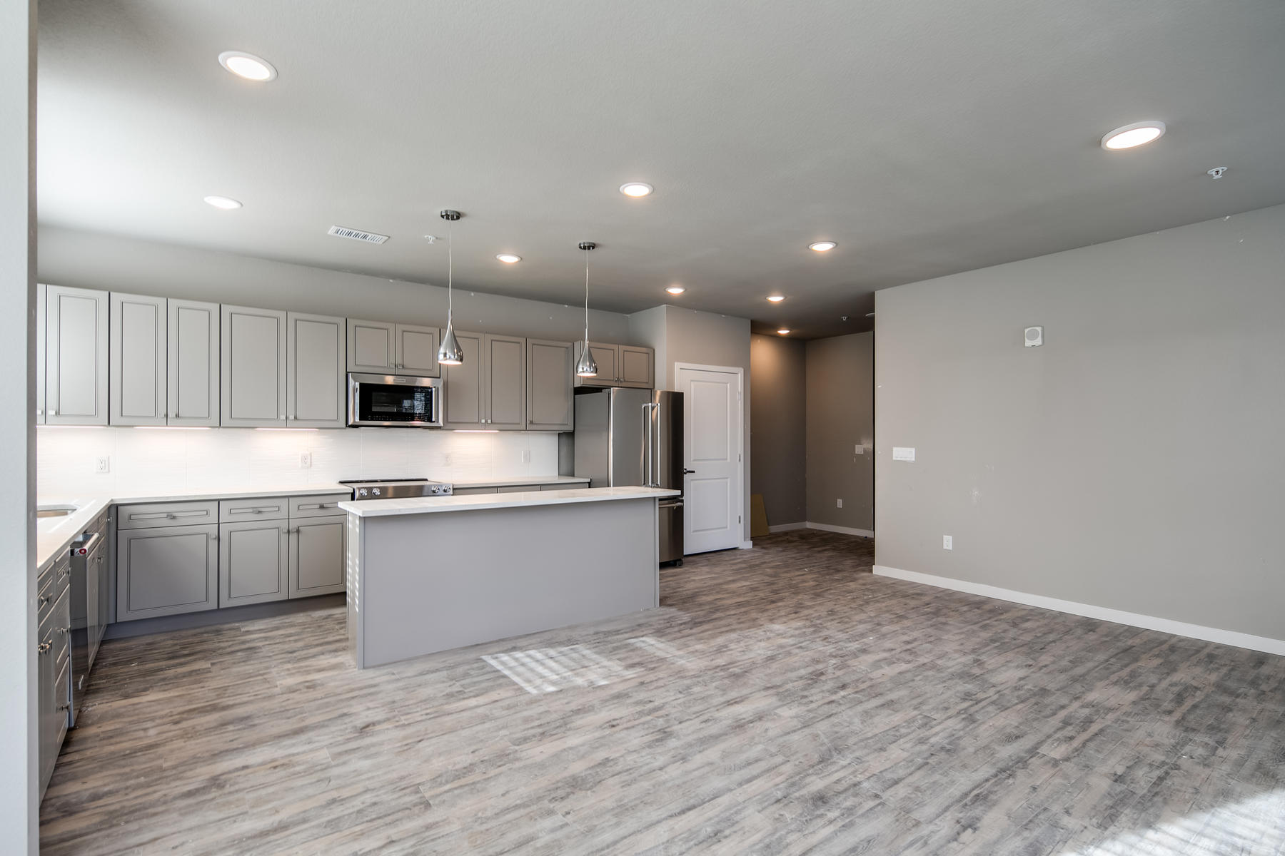 Additional photo for property listing at 155 South Monaco Parkway #309 155 S Monaco Parkway #309 Denver, Colorado 80224 United States