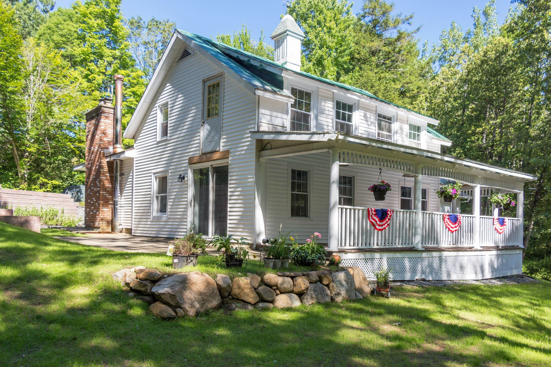 Single Family Homes for Active at Multi-Use Parcels on 13+ Acres in Lake George 352 Middle Rd Lake George, New York 12845 United States