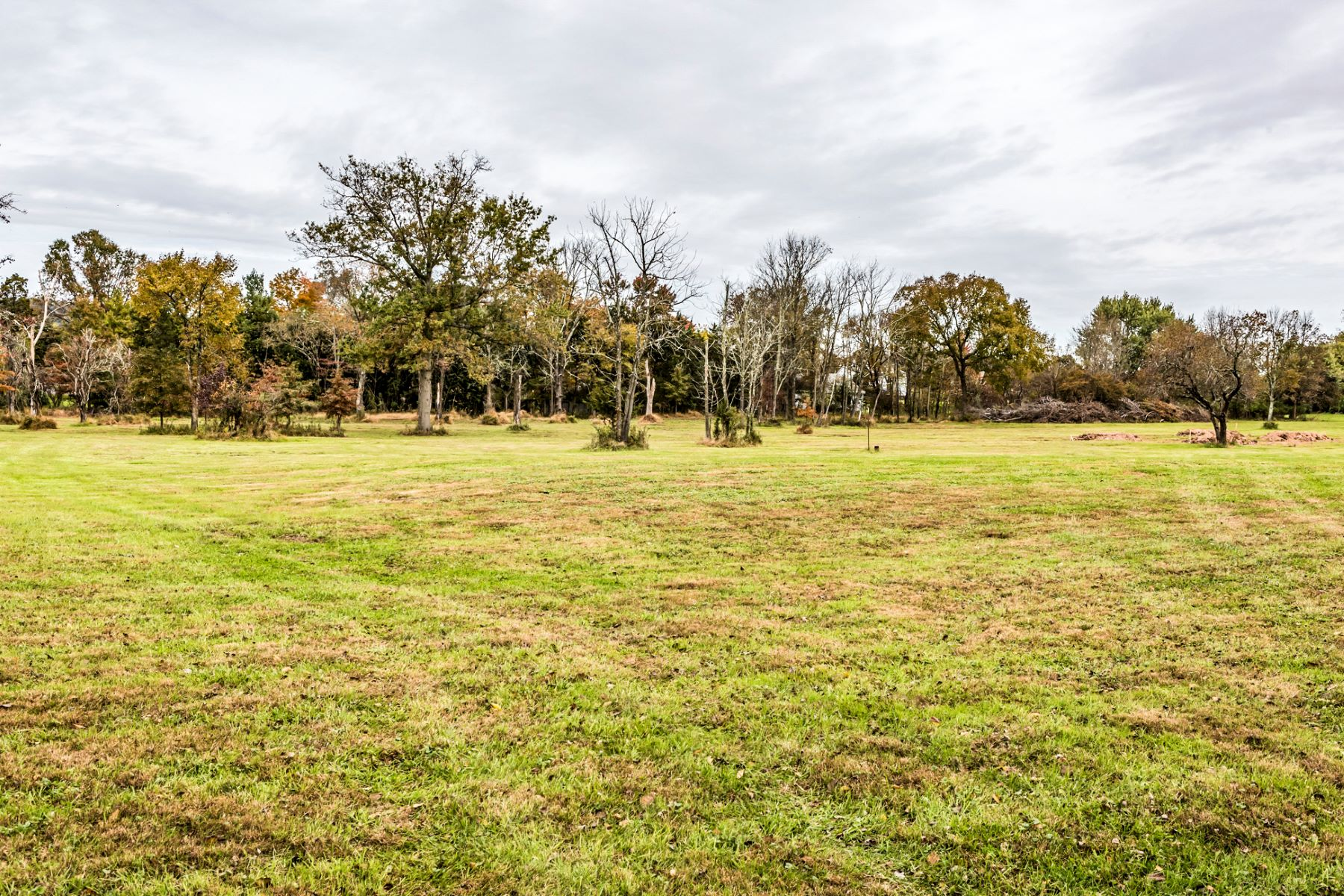 Additional photo for property listing at Nearly Seven Acres with Beautiful Sunsets 000 Scotch Road, Pennington, New Jersey 08534 United States