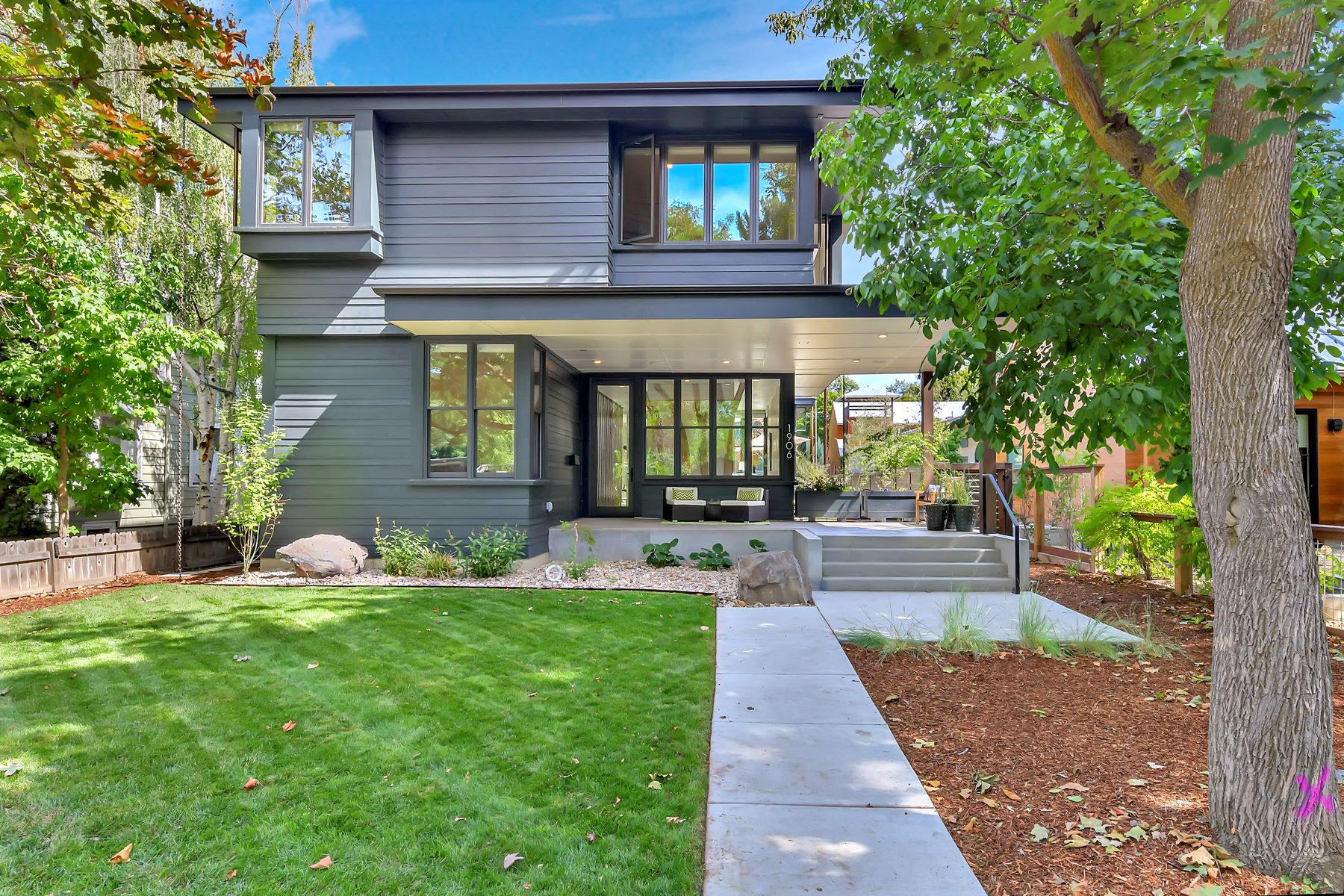Single Family Homes for Active at 1906 24th St, Boise 1906 N 24th St Boise, Idaho 83702 United States
