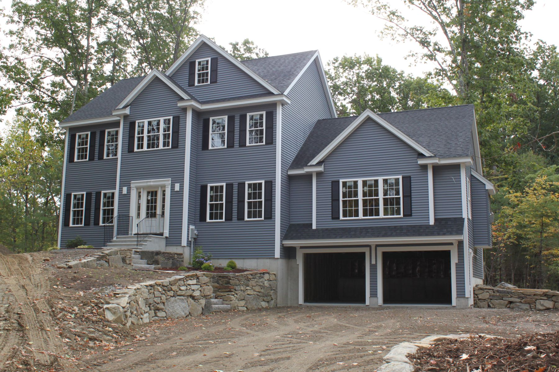 Single Family Homes por un Venta en Beautiful New-Construction Colonial in Groton 63 North Street Groton, Massachusetts 01450 Estados Unidos