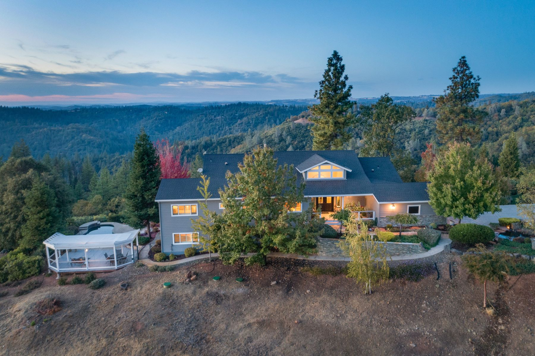 Single Family Homes for Sale at Breathtaking Panoramic Views 14750 Surrey Junction Lane Sutter Creek, California 95685 United States