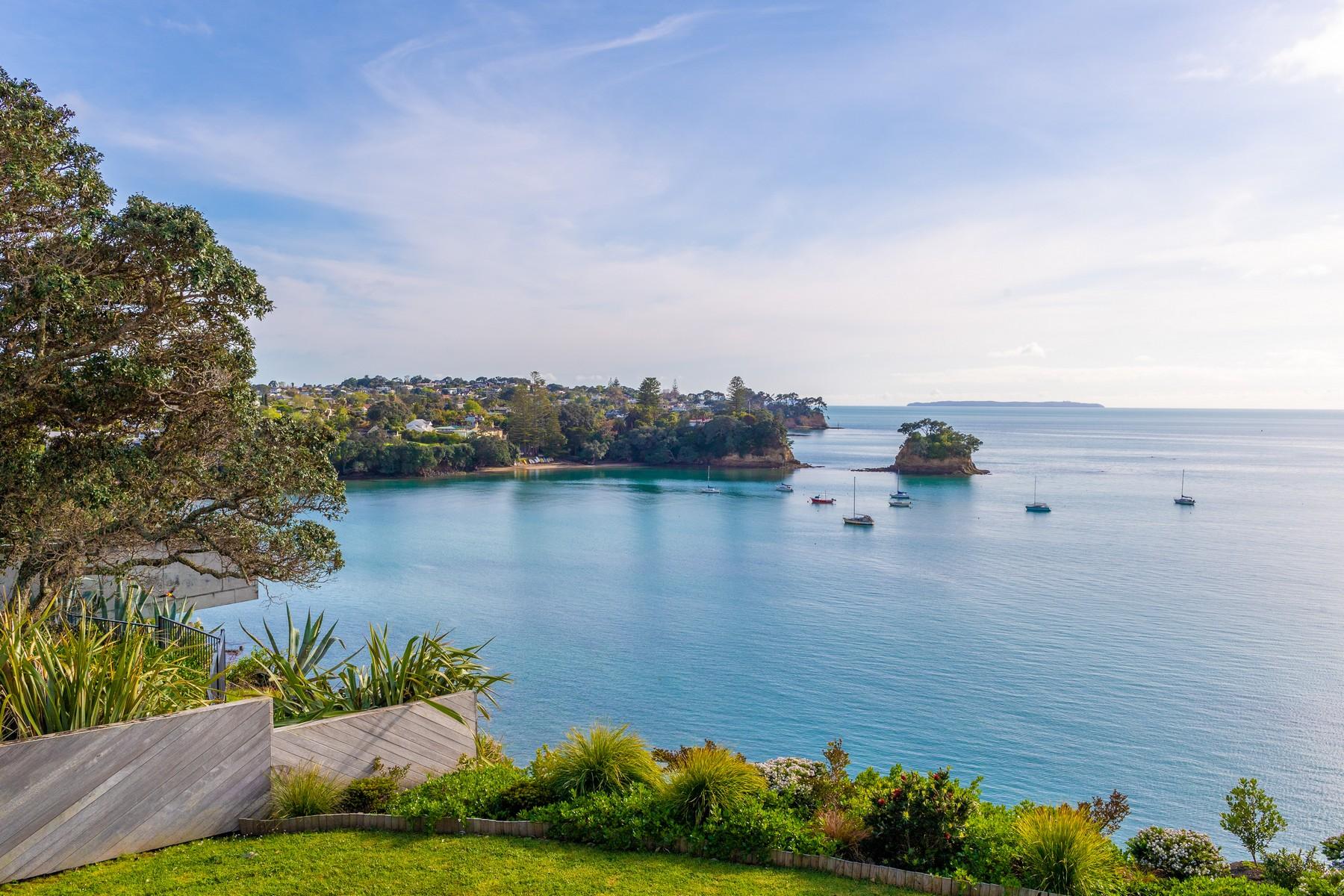 Single Family Homes pour l Vente à 6 Sharon Road Auckland, Auckland 0630 Nouvelle-Zélande