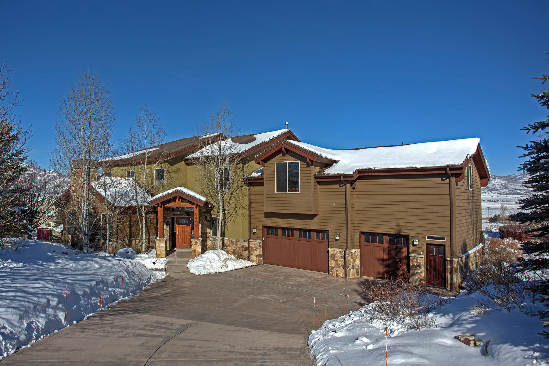 Single Family Home for Sale at Sophisticated Style, Spectacular Ski Resort Views 6403 N Snow View Dr Park City, Utah 84098 United States