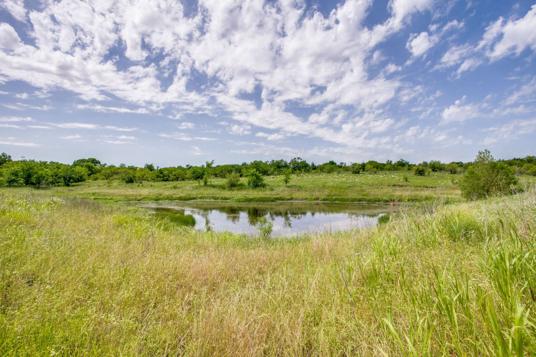 Land for Active at Walker Creek Ranch 01 FM 85 Ennis, Texas 75119 United States