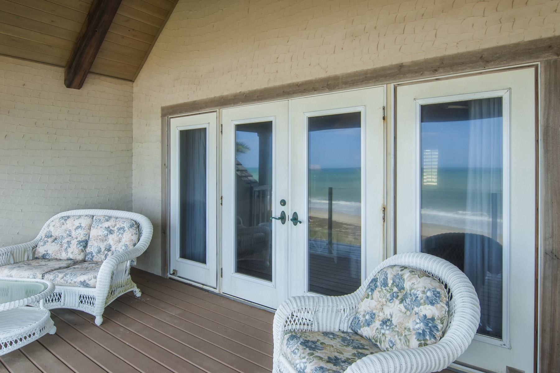 Additional photo for property listing at Fabulous Oceanfront Vacation Home 965 Pebble Lane Vero Beach, Florida 32963 United States