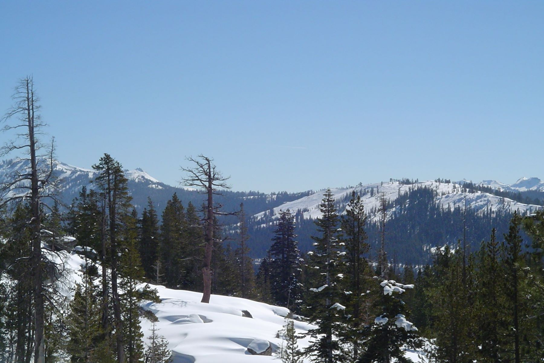 Land for Active at 11902 Lola Montz Road, Soda Springs, CA 95728 11902 Lola Montez Road Truckee, California 96161 United States
