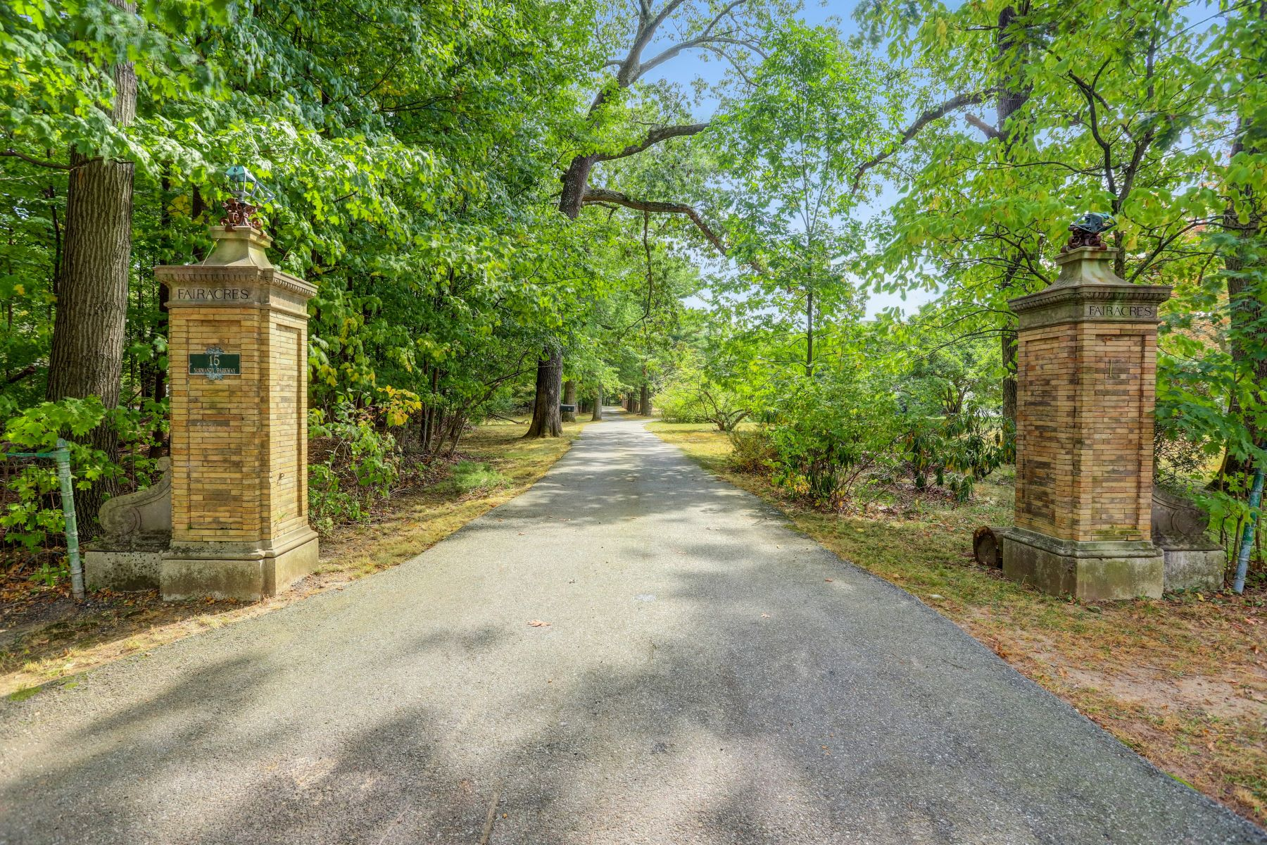 Single Family Homes for Sale at Charming Carriage House 15 Normandy Parkway Morris Township, New Jersey 07960 United States
