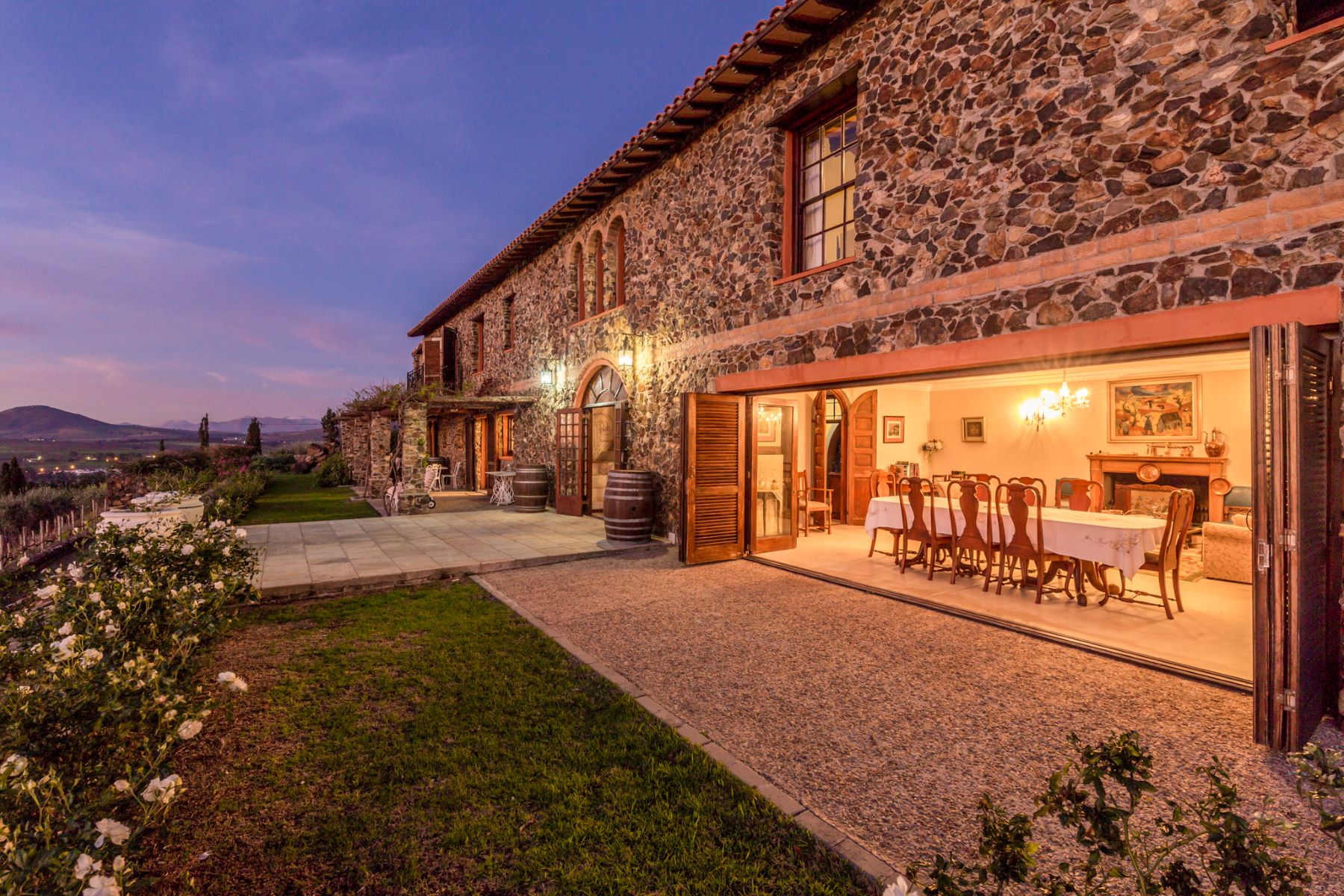 Granjas / Hacienda / Platanción por un Venta en Tuscan Villa on a Wine and Olive Farm Stellenbosch, Provincia Occidental Del Cabo 7600 Sudáfrica