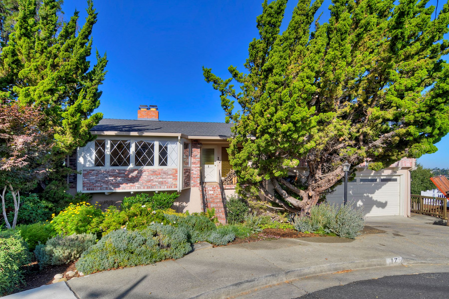 Single Family Homes for Sale at Fantastic San Carlos Hills Abode 17 Coleman Court San Carlos, California 94070 United States