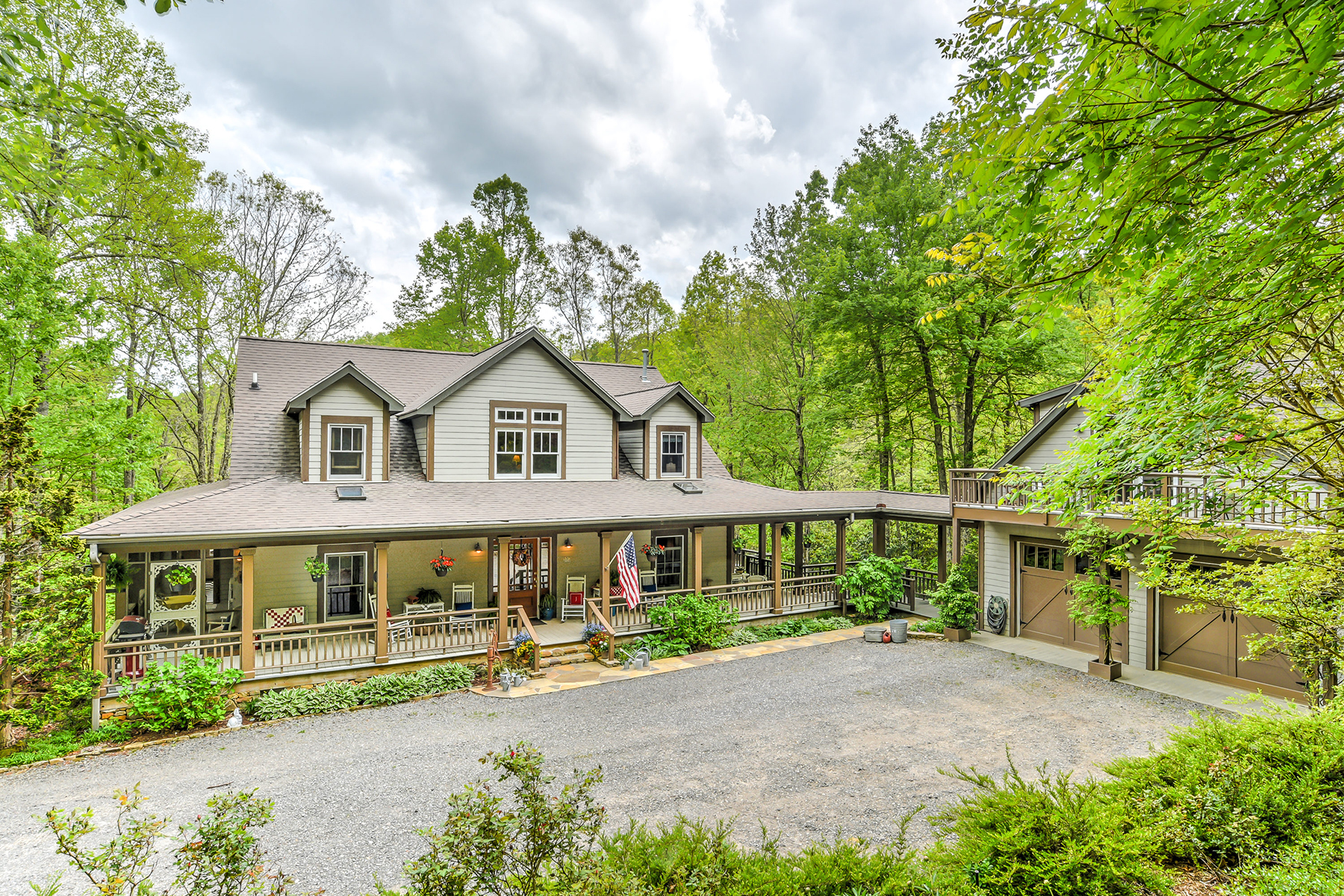 Single Family Home for Active at BLACK MOUNTAIN 21 Chestnut Hill Black Mountain, North Carolina 28711 United States
