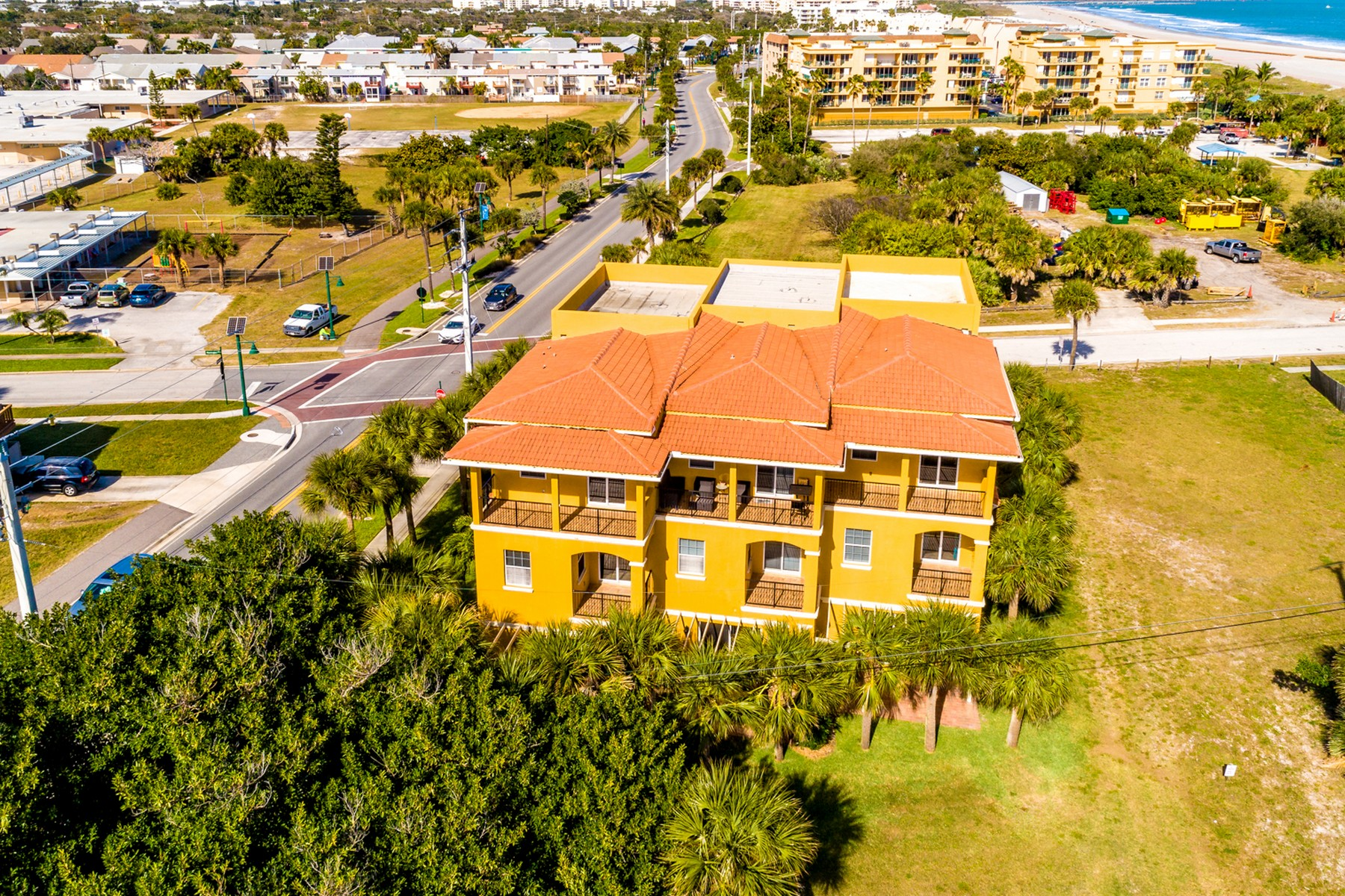 Additional photo for property listing at Beautiful, luxury townhome with sensational ocean views. 603 Washington Avenue Unit 1 Cape Canaveral, Florida 32920 United States