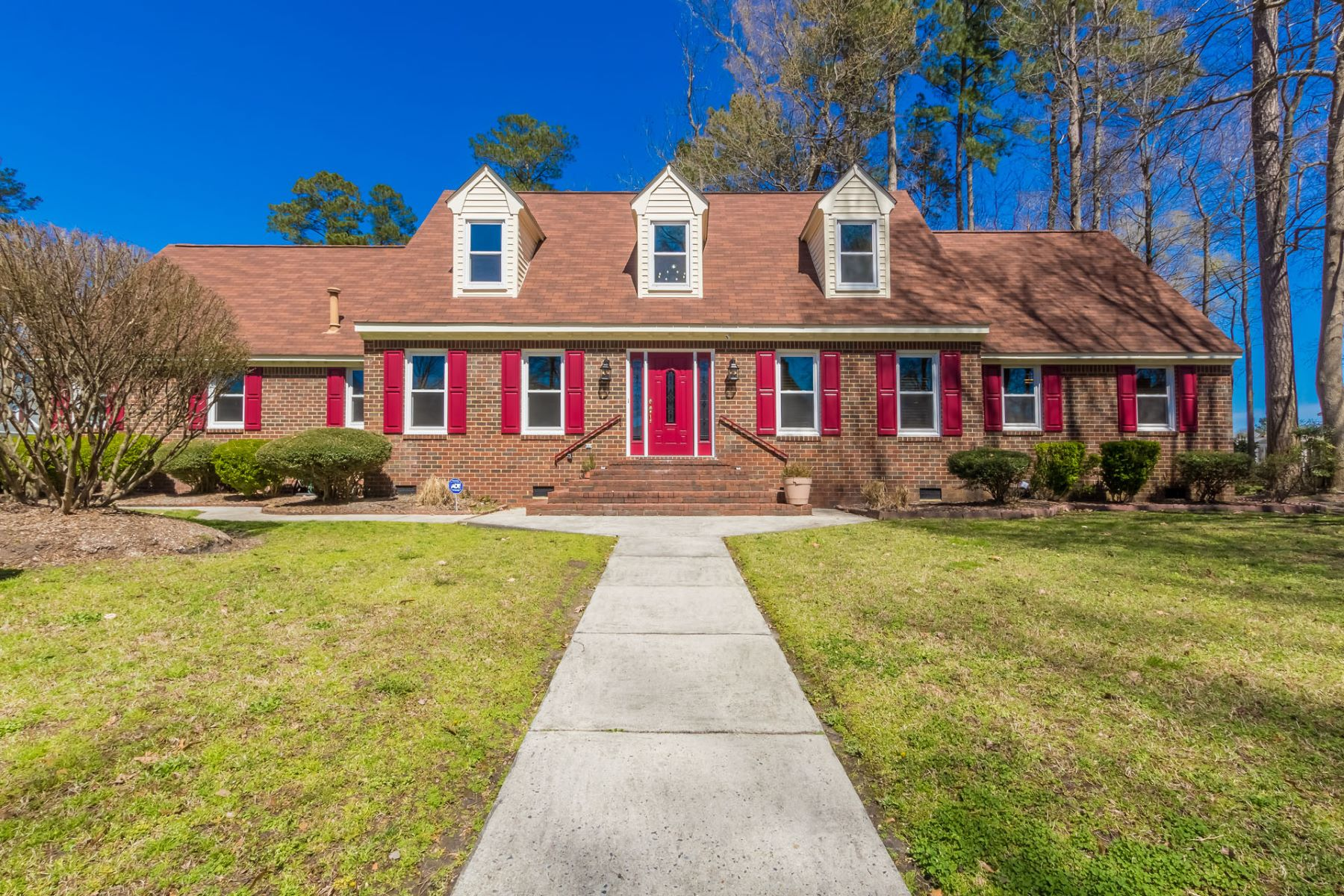 Single Family Home for Sale at Foxgate Quarter 440 Butterfly Drive Chesapeake, Virginia 23322 United States