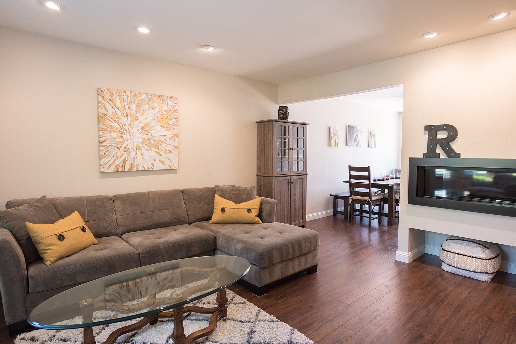 Townhouse for Sale at Convenience To Downtown 54 Sierra Lane Walnut Creek, California 94596 United States