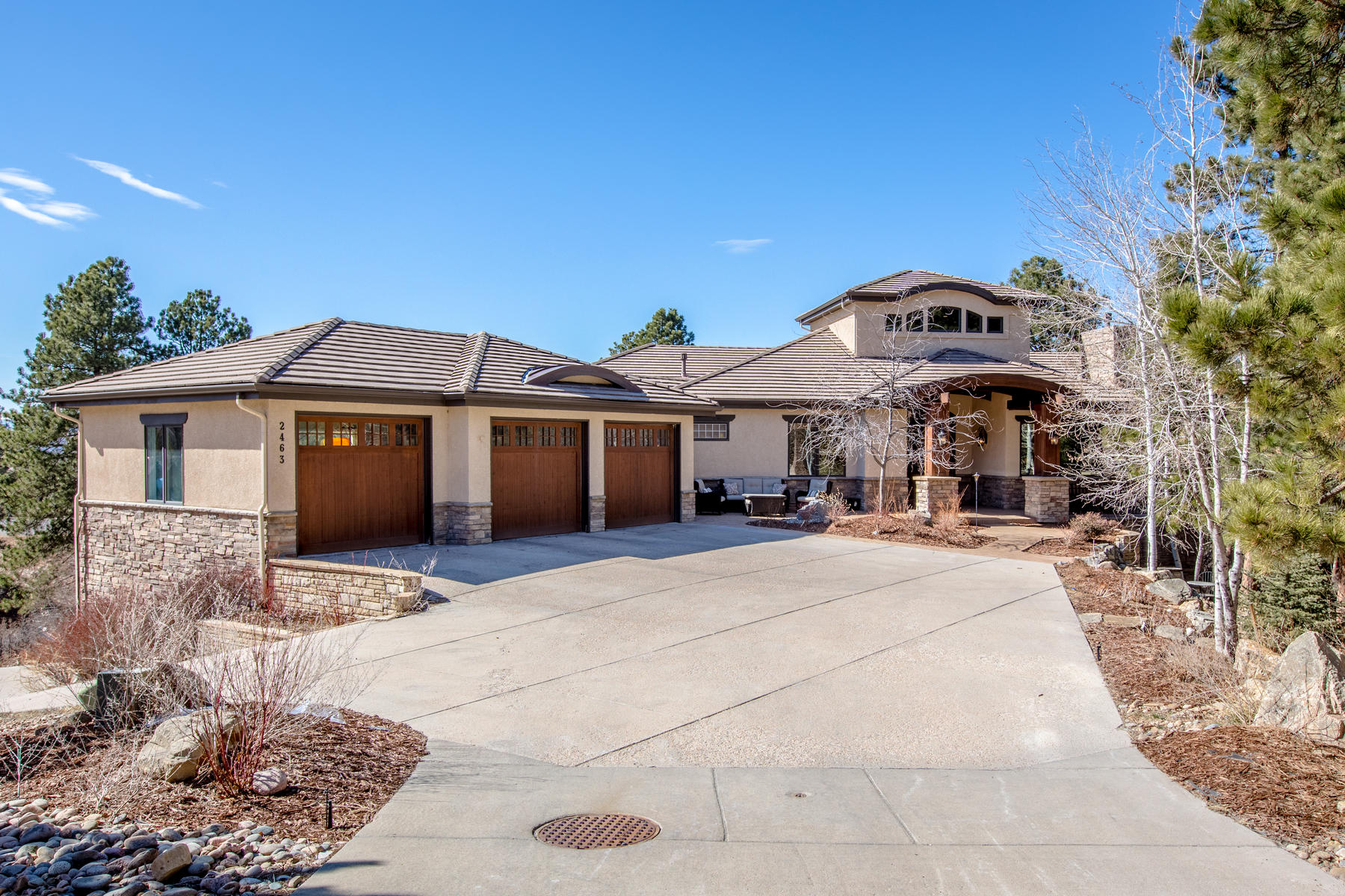 Single Family Home for Active at Awe-Inspiring Mountain Contemporary Ranch home located in Escavera has a place f 2463 Saddleback Ct Castle Rock, Colorado 80104 United States
