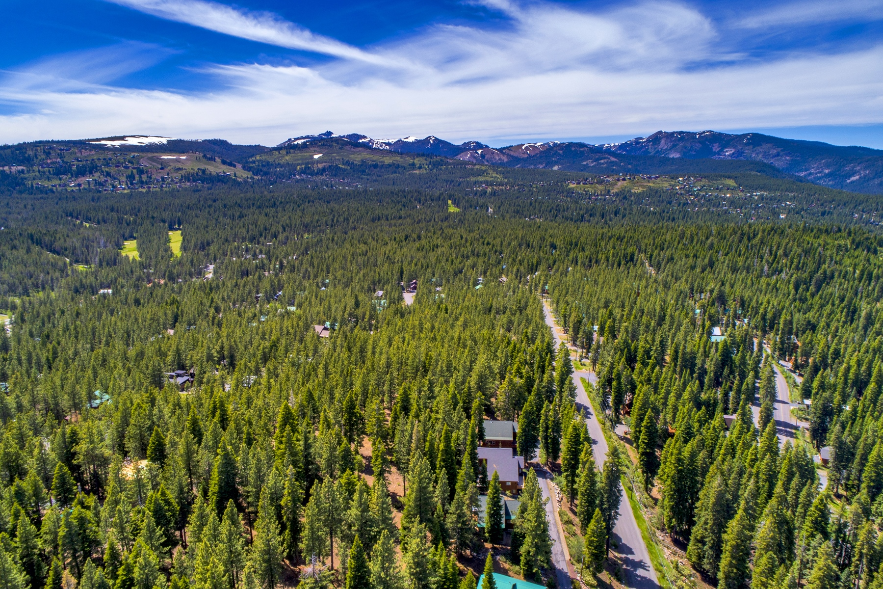 Additional photo for property listing at 12359 Muhlebach Way, Truckee, CA 96161 12359 Muhlebach Way Truckee, California 96161 United States
