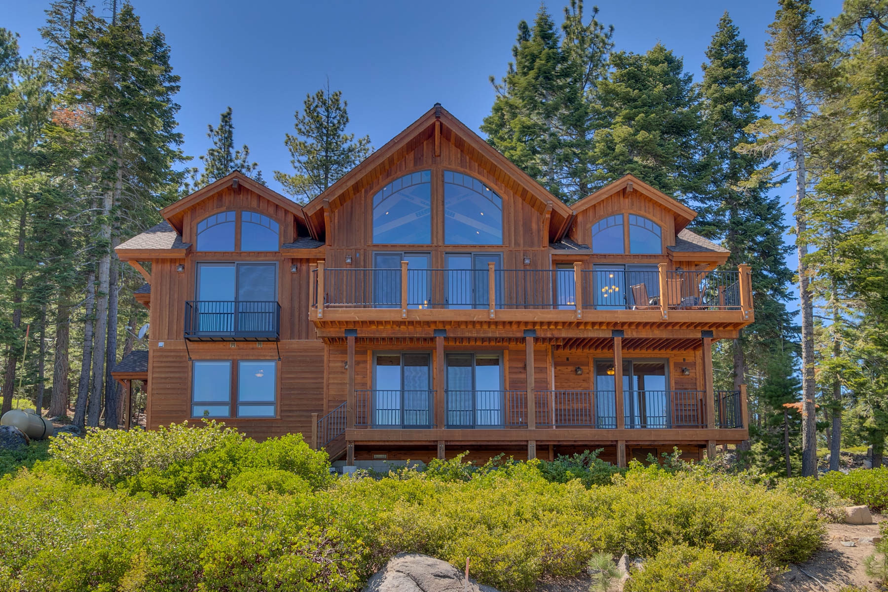 Additional photo for property listing at LakeRidge Lodge 571 Lakeridge Drive Meeks Bay, California 96142 United States