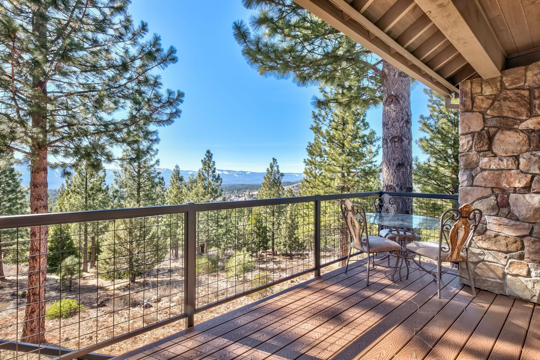 Additional photo for property listing at Custom Gold Mountain Home 1365 Startop Portola, California 96122 United States