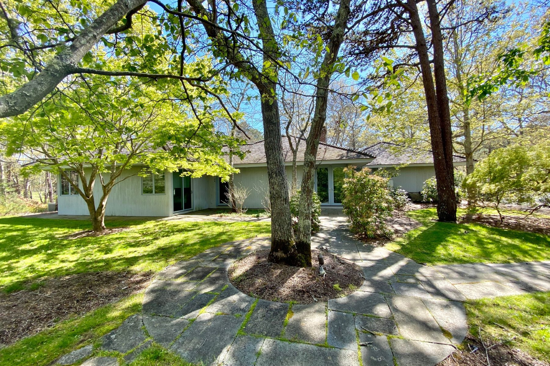 Single Family Homes for Active at Contemporary home in Mink Meadows 135 Bigelow Road Vineyard Haven, Massachusetts 02568 United States