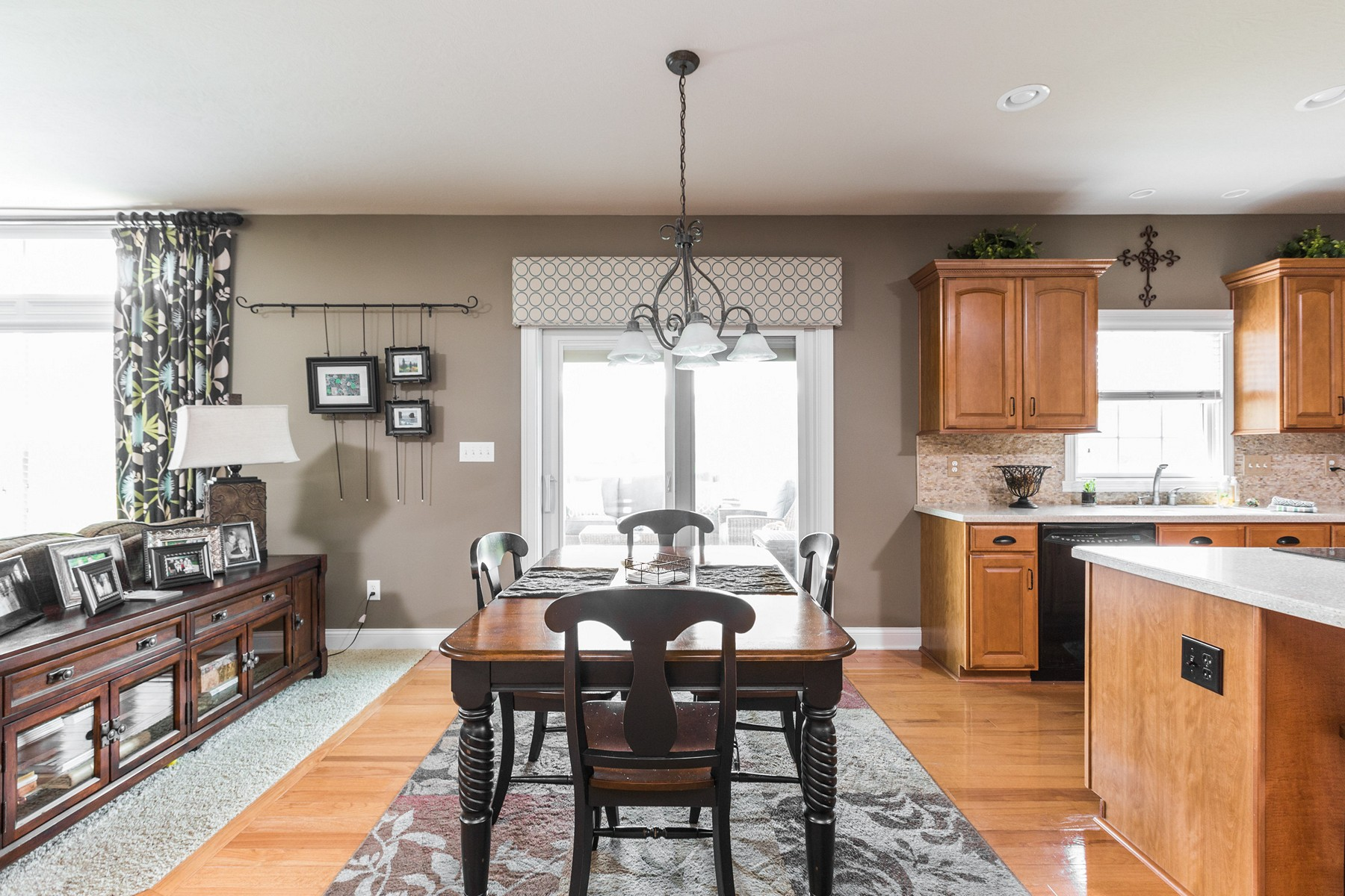 Additional photo for property listing at Gorgeous Home Ready For You 7414 Stones River Drive Indianapolis, Indiana 46259 Estados Unidos