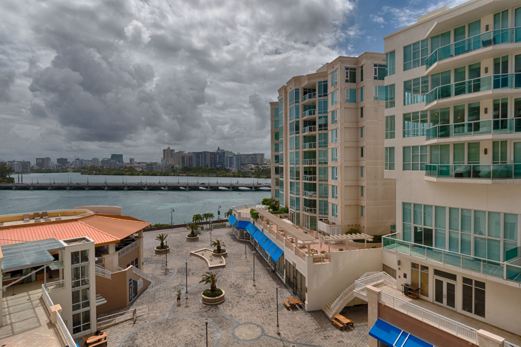 Additional photo for property listing at Elegant 6th Floor Rental with Private Pool 25 Munoz Rivera Avenue apt 601 San Juan, Puerto Rico 00901 プエルトリコ