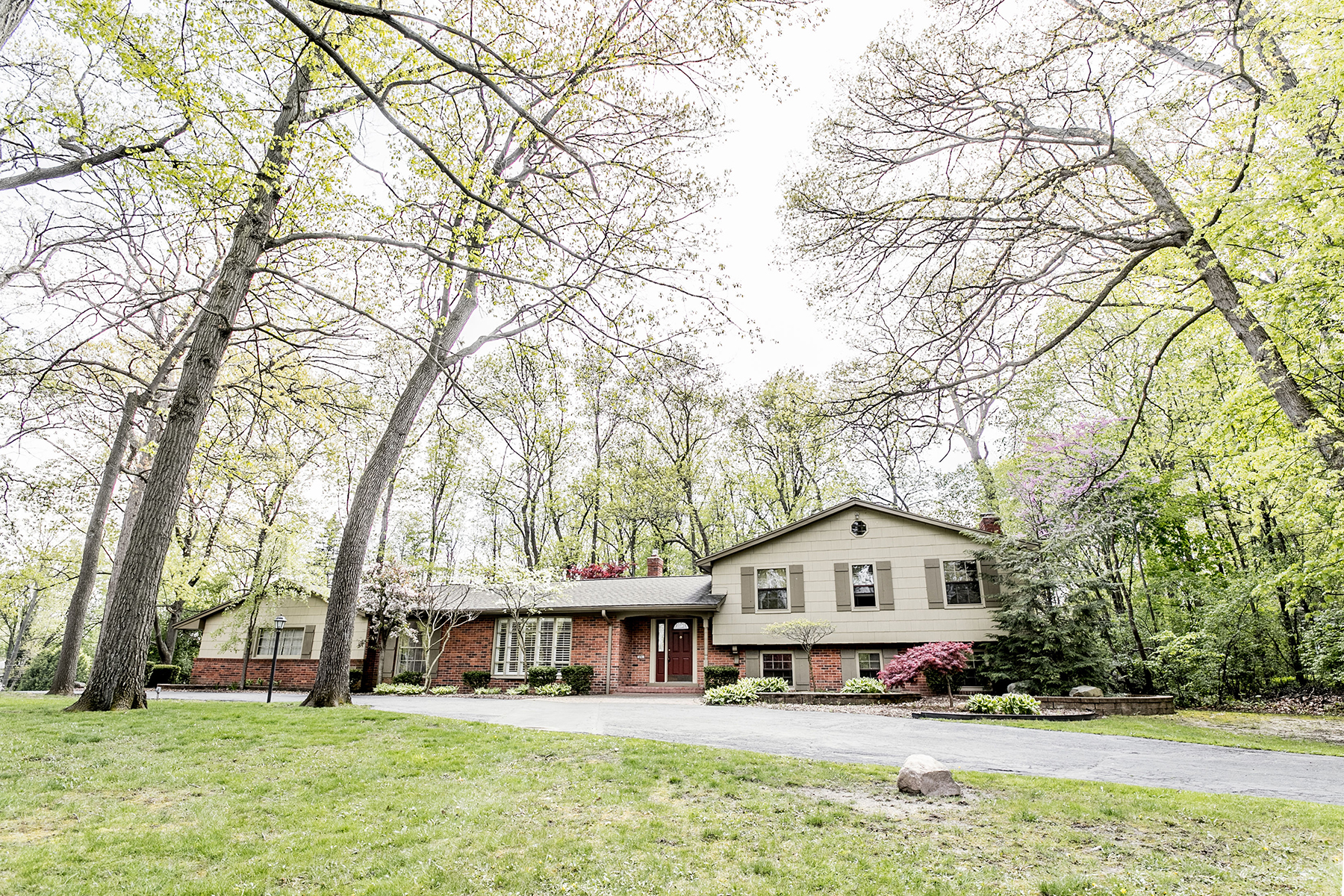 Single Family Homes for Sale at Bloomfield Township 494 Whippers In Court Bloomfield Township, Michigan 48304 United States