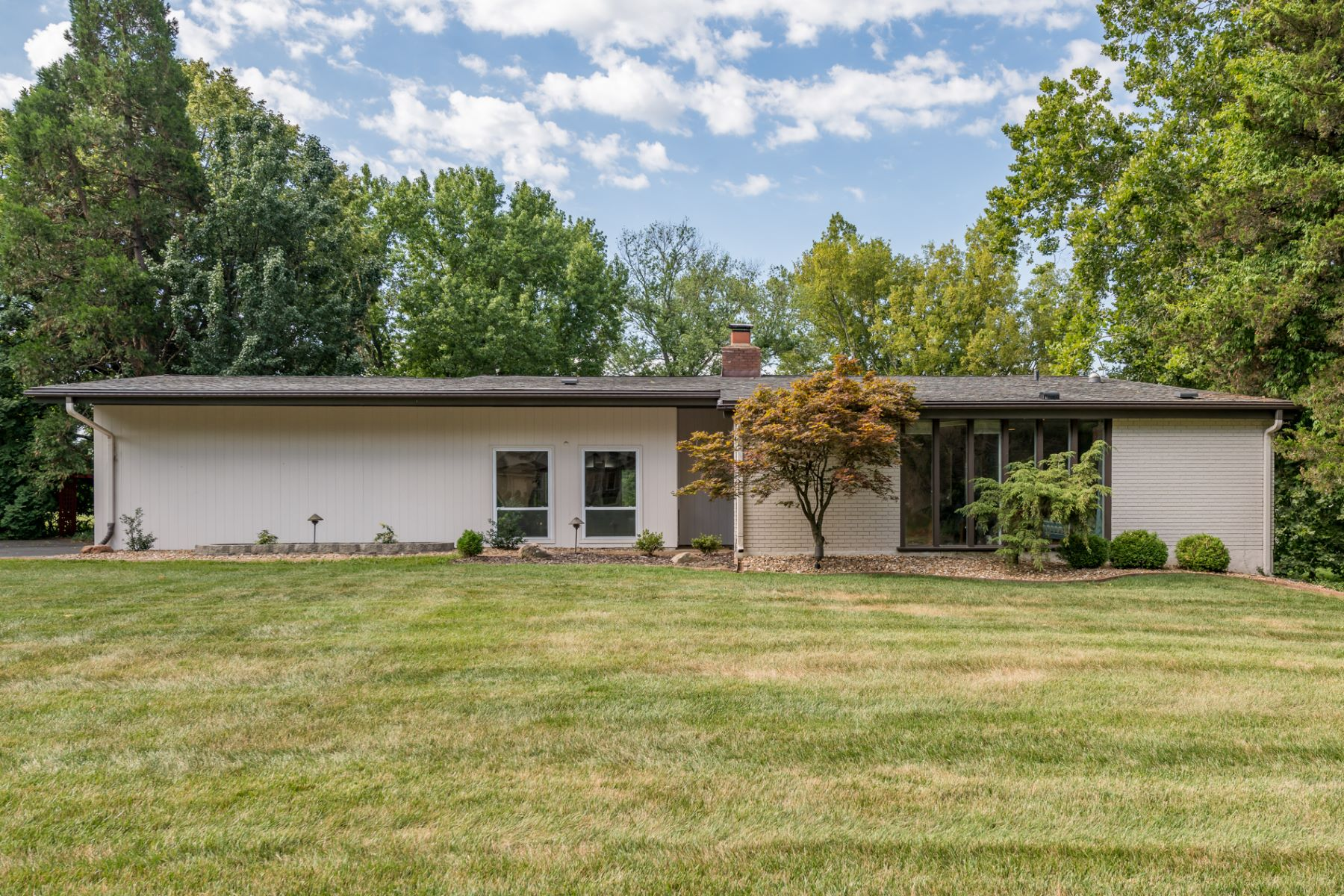 Single Family Home for Sale at Coulange Ct 12808 Coulange Ct Creve Coeur, Missouri 63141 United States