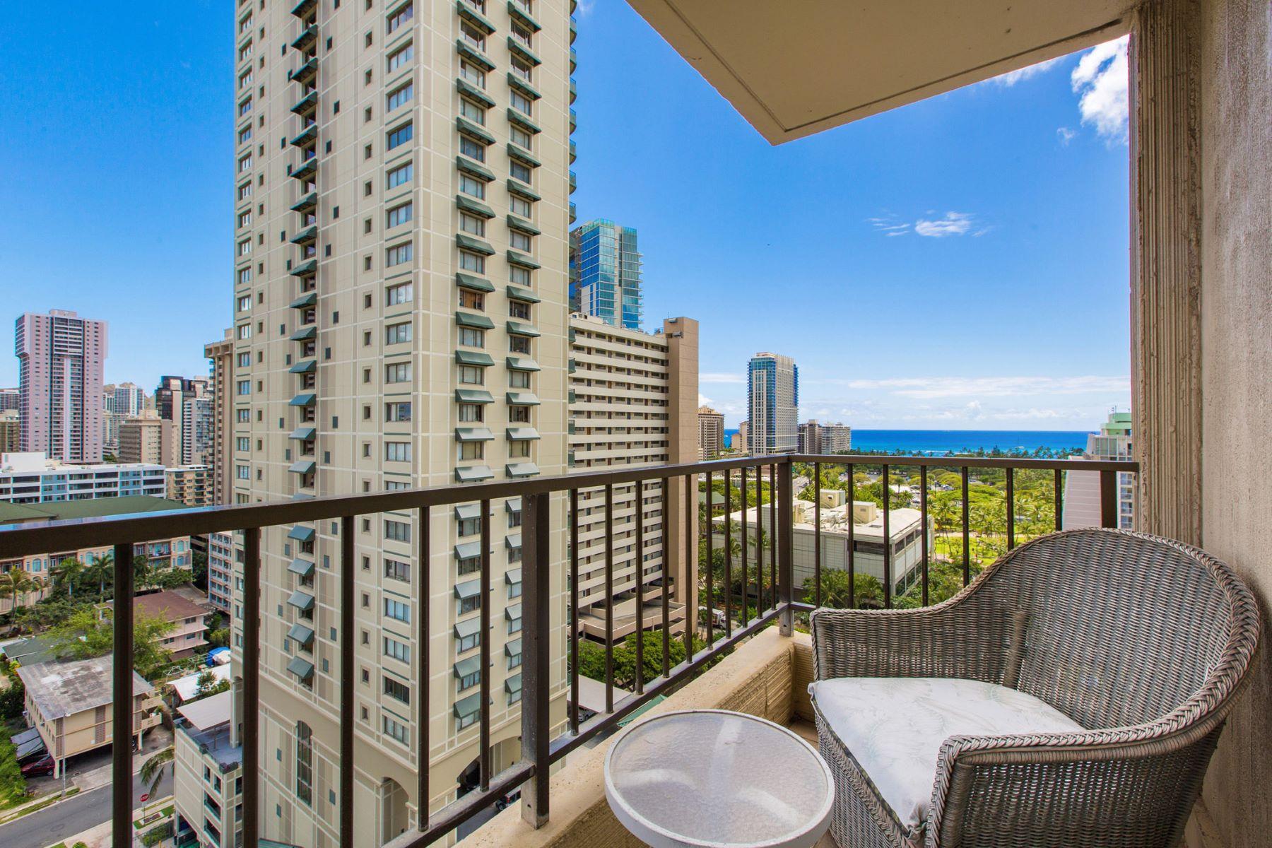 Condominio por un Venta en Waikiki Elegance & Comfort 440 Olohana St #1700 Waikiki, Honolulu, Hawaii, 96815 Estados Unidos