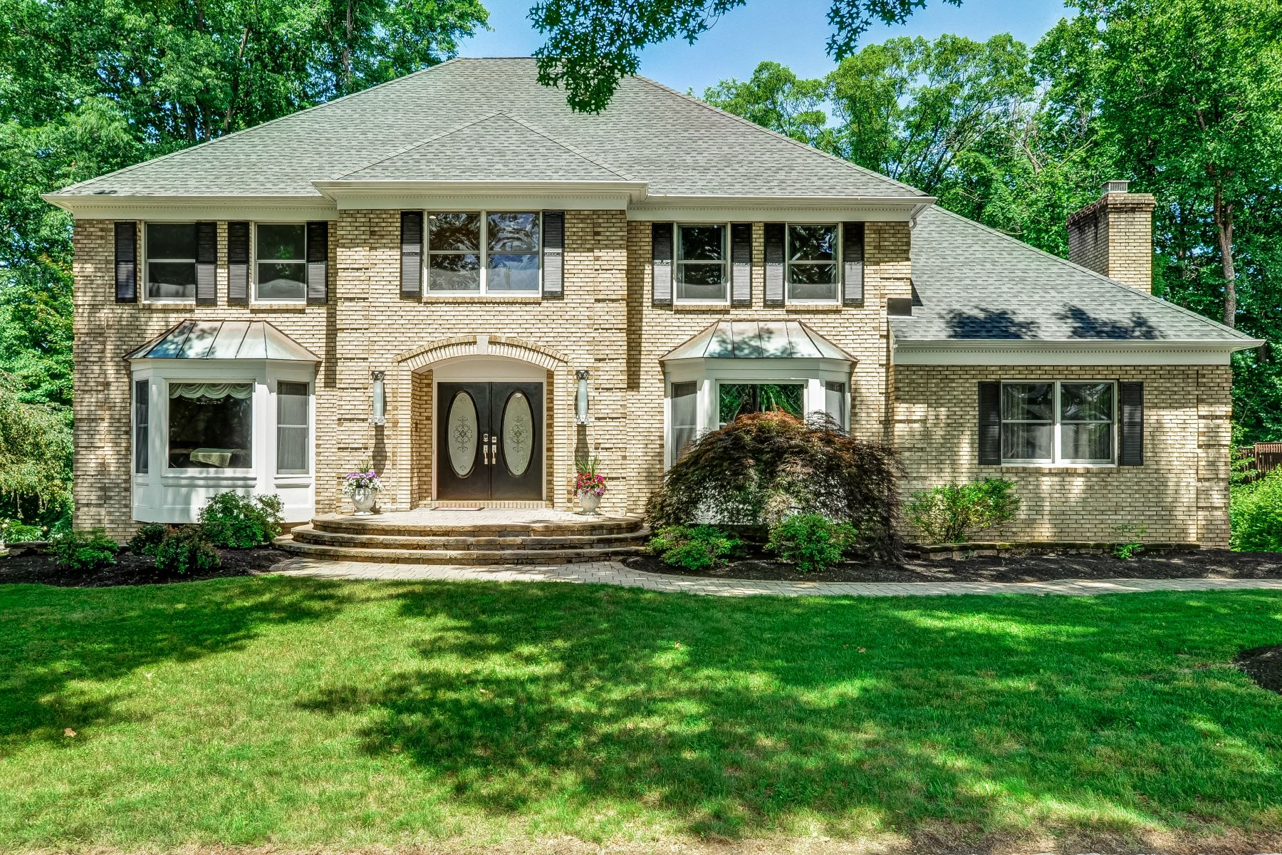 Casa Unifamiliar por un Venta en Traditional Colonial 6 Bryce Way, Morris Plains, Nueva Jersey 07950 Estados Unidos
