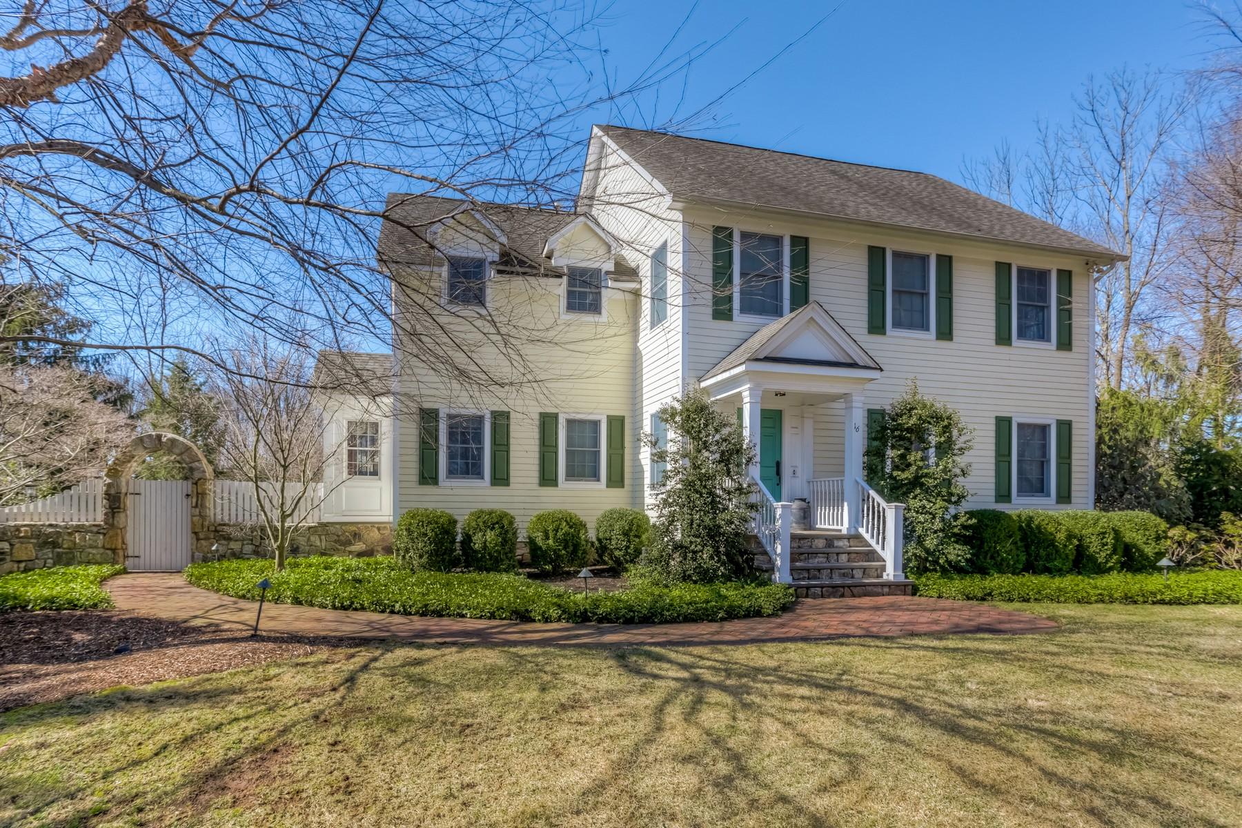 Casa Unifamiliar por un Venta en Custom Farmhouse 16 Troy Road Whippany, Nueva Jersey 07981 Estados Unidos