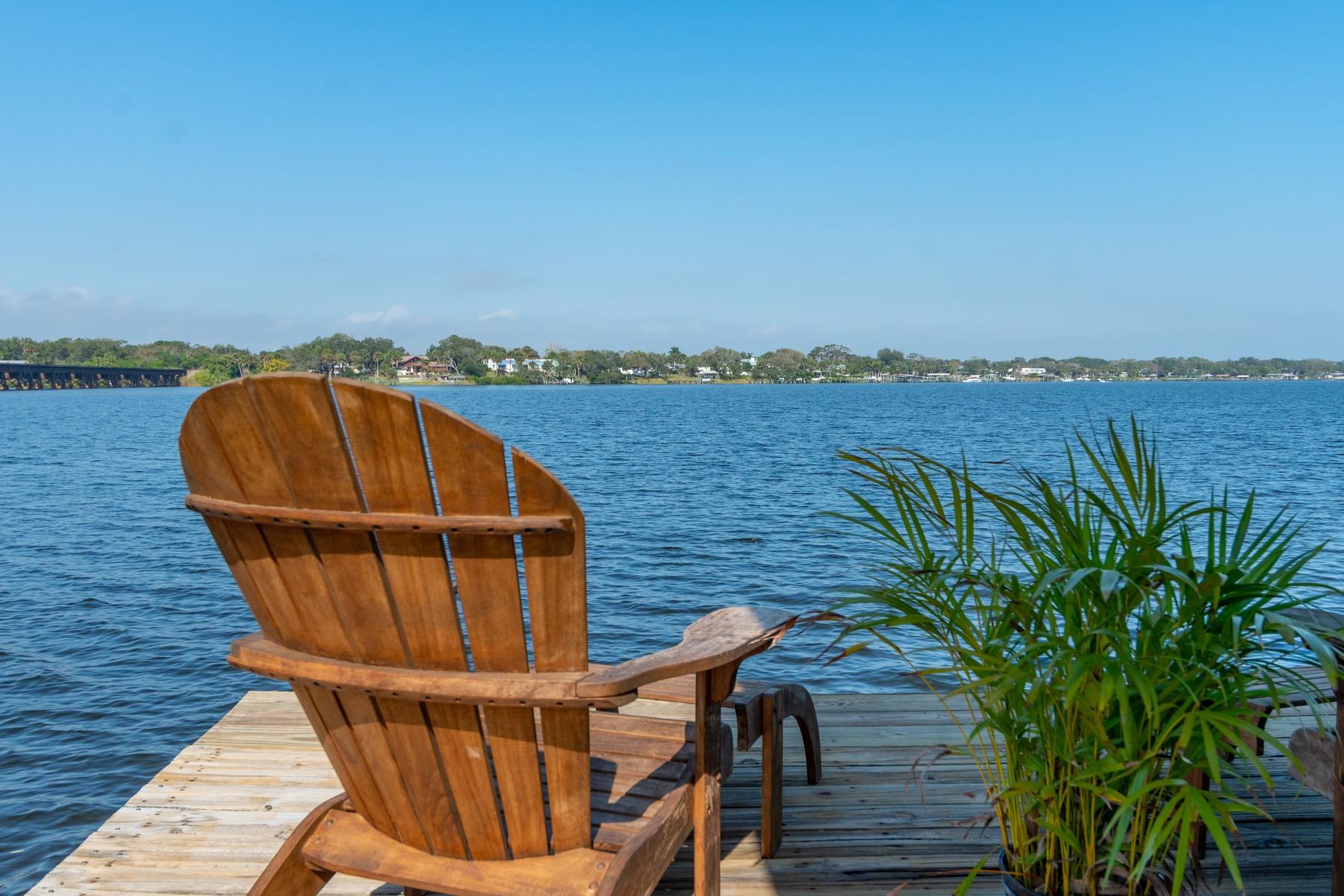Single Family Homes for Sale at Boater's Paradise! 13315 83rd Avenue Sebastian, Florida 32958 United States