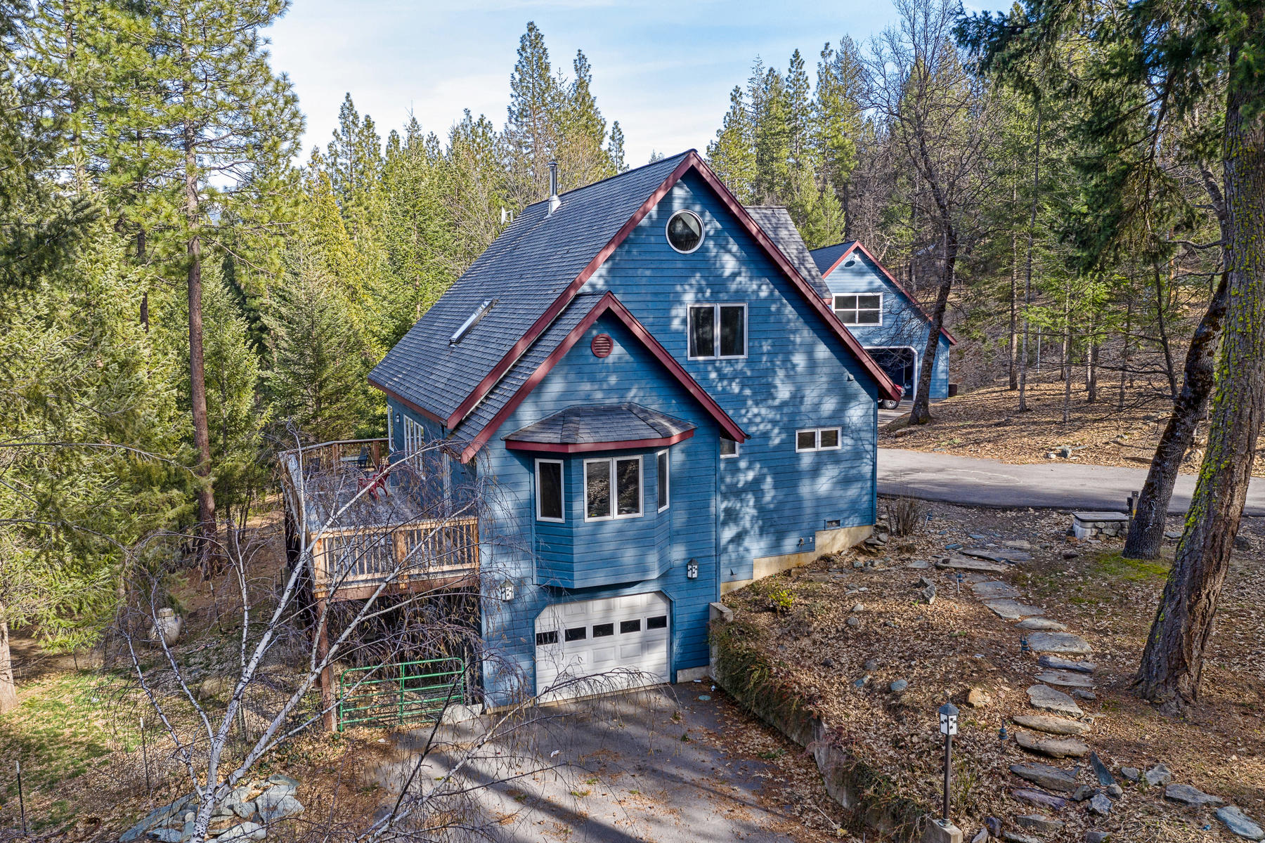 Additional photo for property listing at 2425 Ridgerun Road, Quincy, CA 95971 2425 Ridgerun Road Quincy, California 95971 United States