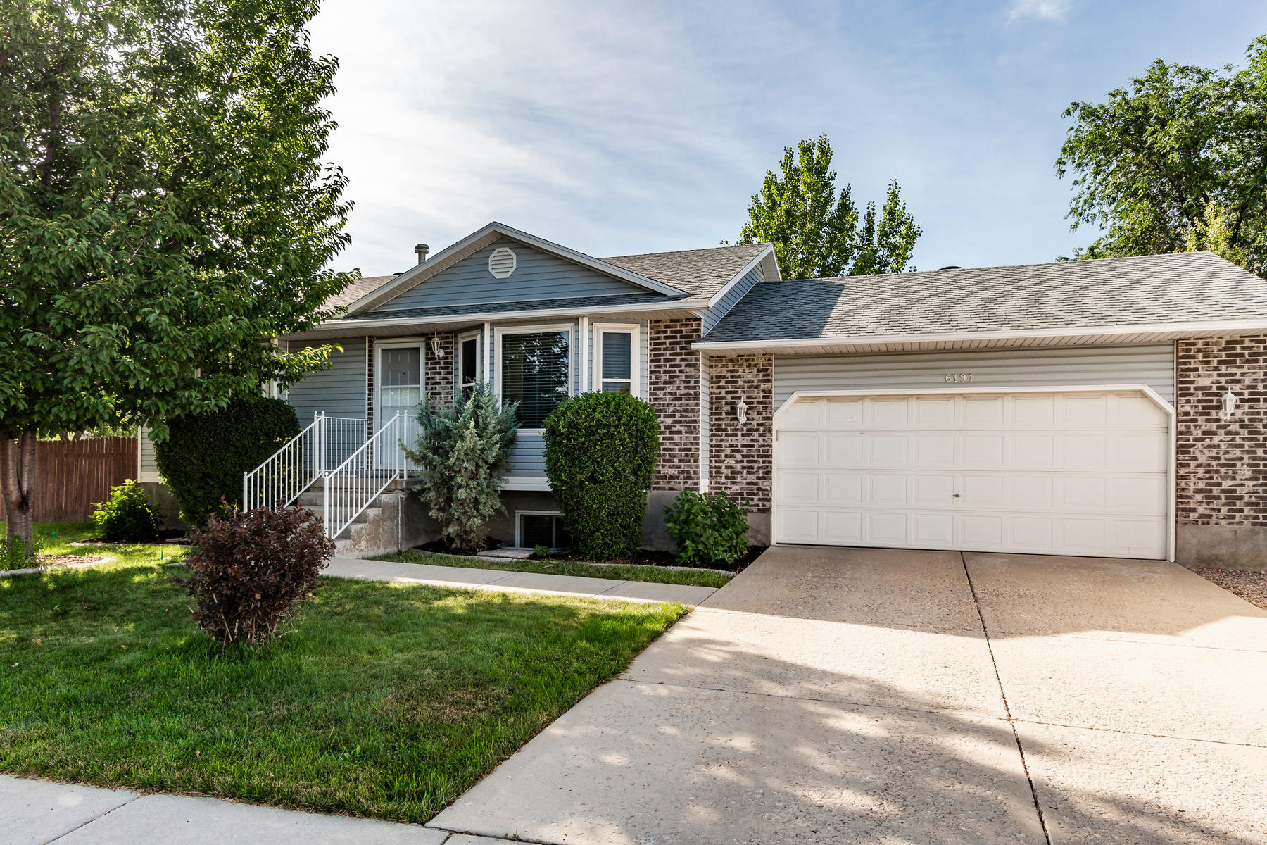 Single Family Homes for Active at Lightly Lived In Home Located In A Quiet Neighborhood. 6191 W Pepper Pond Ln West Valley City, Utah 84128 United States