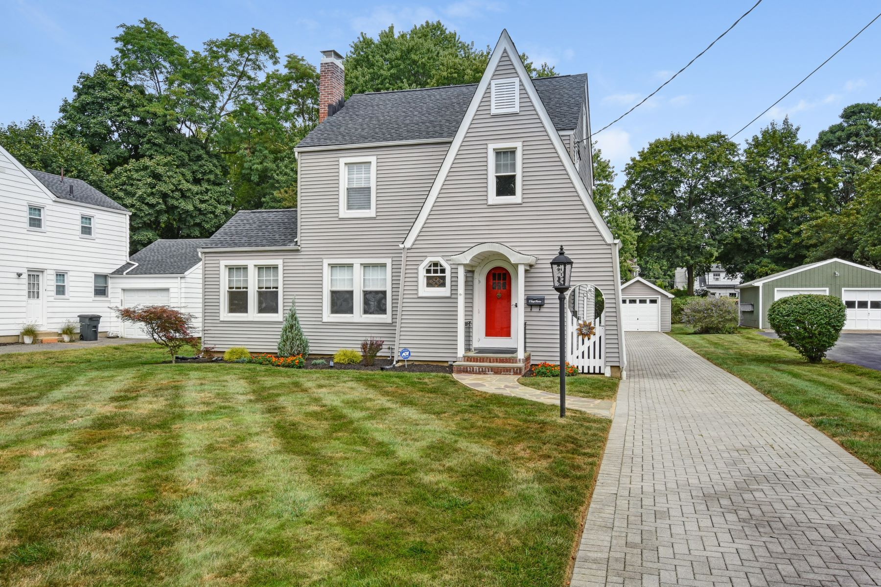 Single Family Homes for Sale at Charming Colonial Home 17 Jaqui Avenue Morris Plains, New Jersey 07950 United States