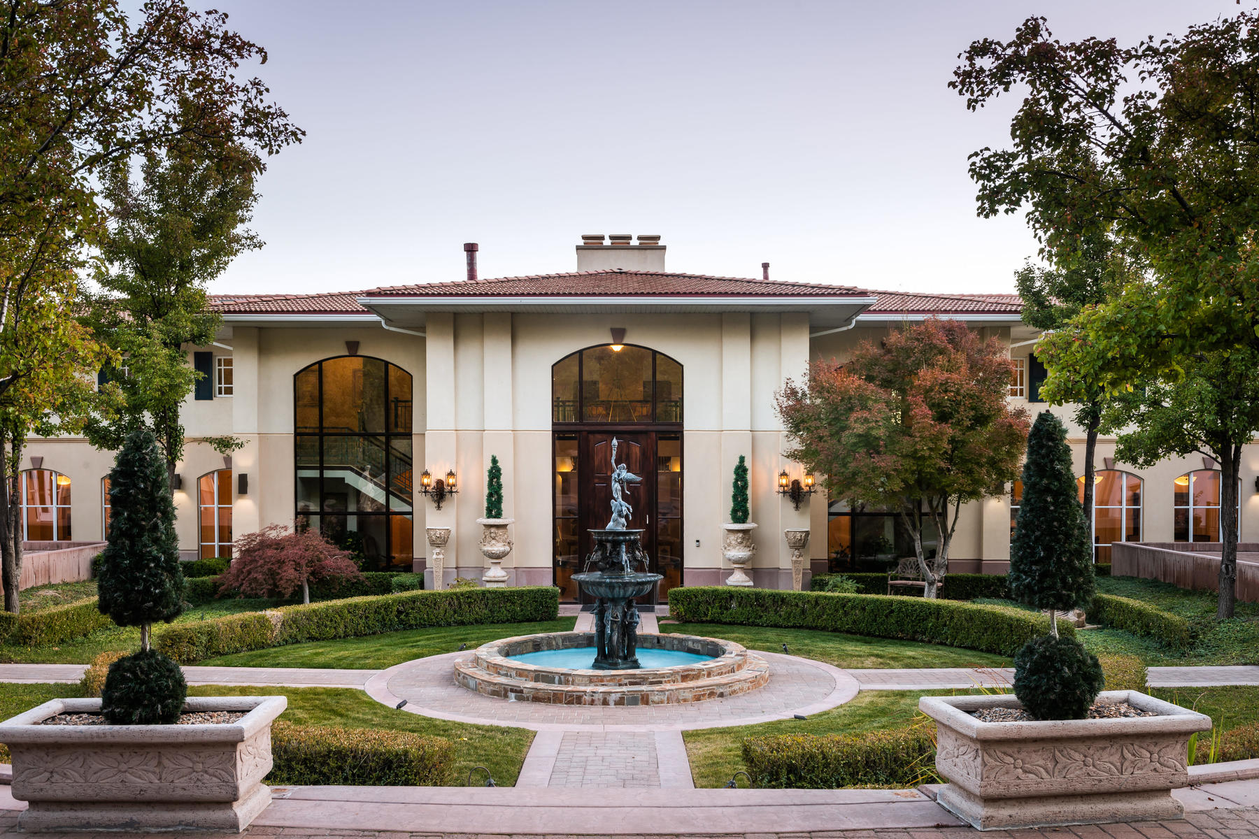 Single Family Homes for Sale at Elegant and Well Appointed 436 Oak Forest Rd Salt Lake City, Utah 84103 United States