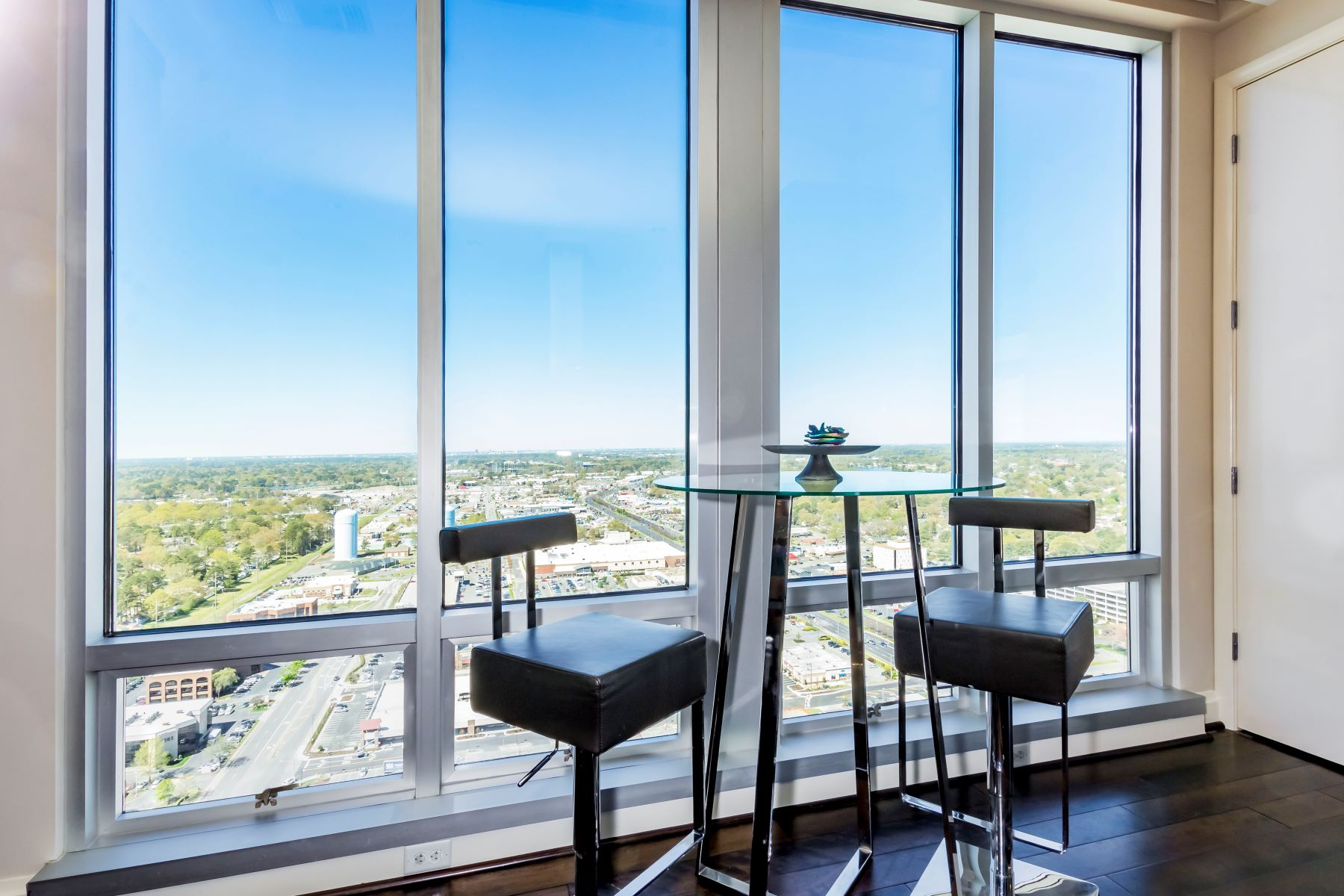 Additional photo for property listing at WESTIN RESIDENCES @ TOWN CENTER 4545 Commerce Street, #3601, Virginia Beach, Virginia 23462 United States