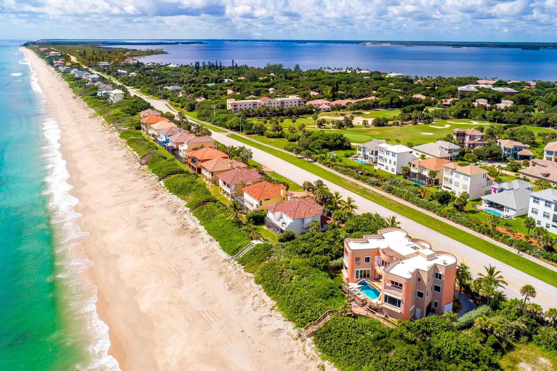Additional photo for property listing at Oceanfront Castle! 7525 Highway A1A Melbourne Beach, Florida 32951 United States
