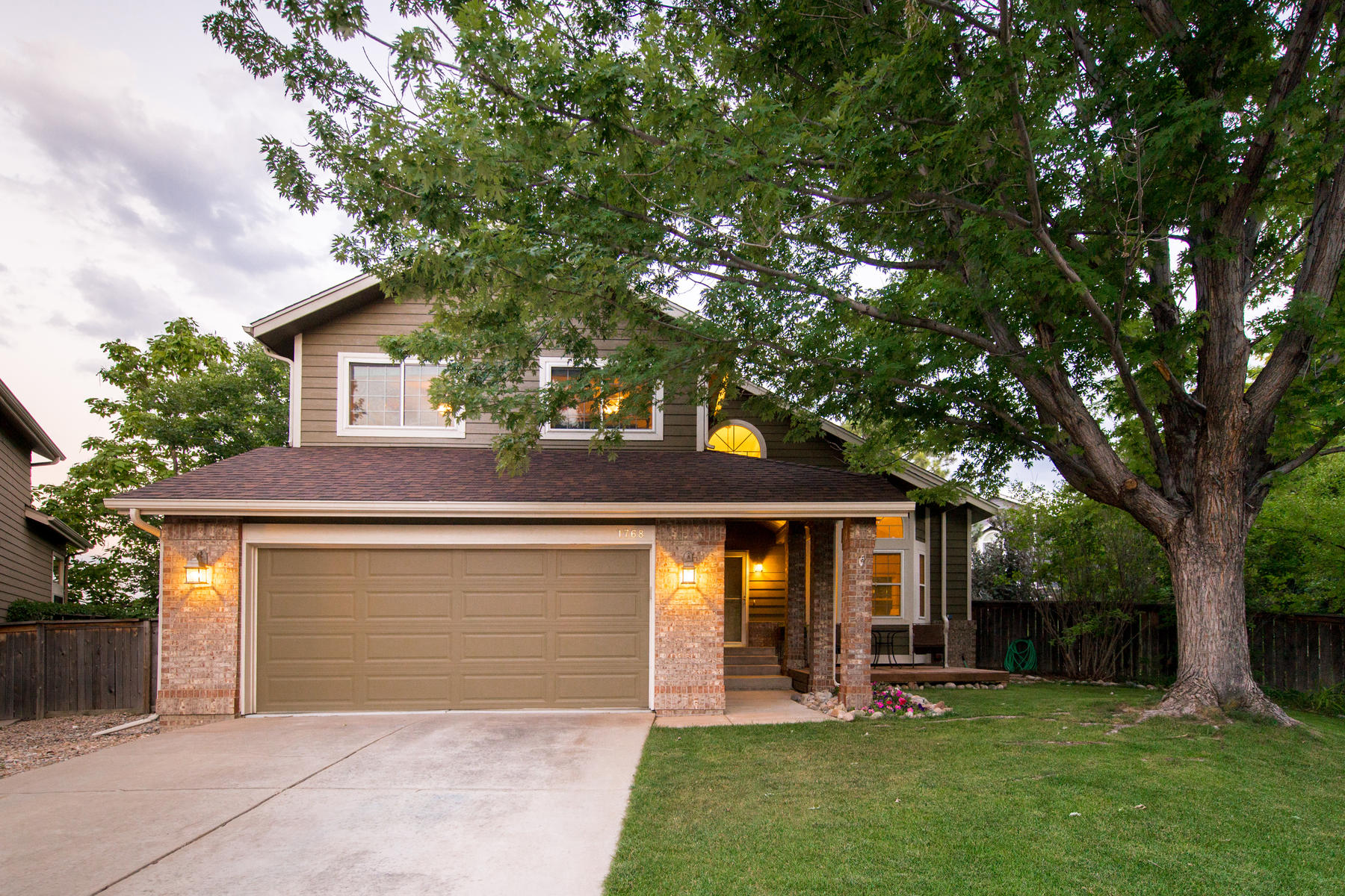 Single Family Home for Active at Immaculate Highlands Ranch home on a huge quarter acre lot! 1768 Jules Ct Highlands Ranch, Colorado 80126 United States