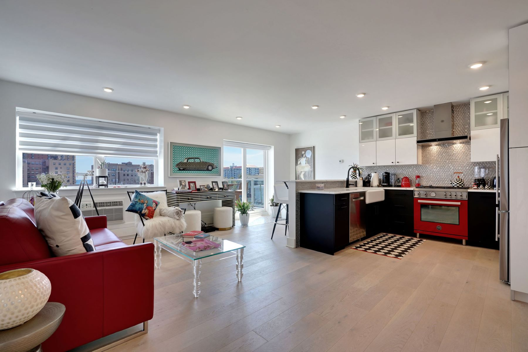 Condominiums для того Продажа на OFFICE EXCLUSIVE PARK PLACE 1706 Park Avenue 4B Asbury Park, Нью-Джерси 07712 Соединенные Штаты