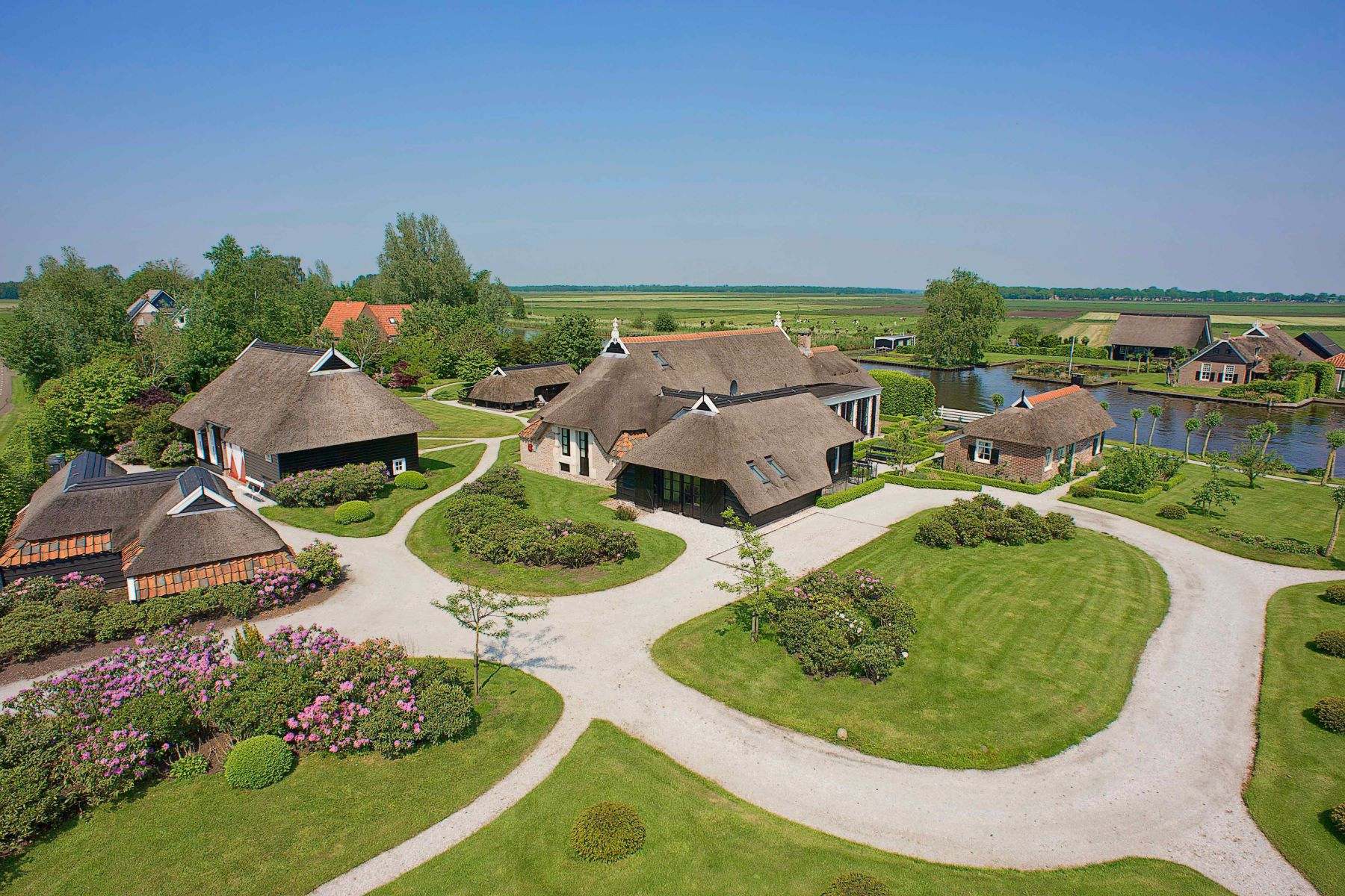 "Single Family Homes por un Venta en ""De Weynshof"" Former Farmhouse Wetering, Overijssel Países Bajos"