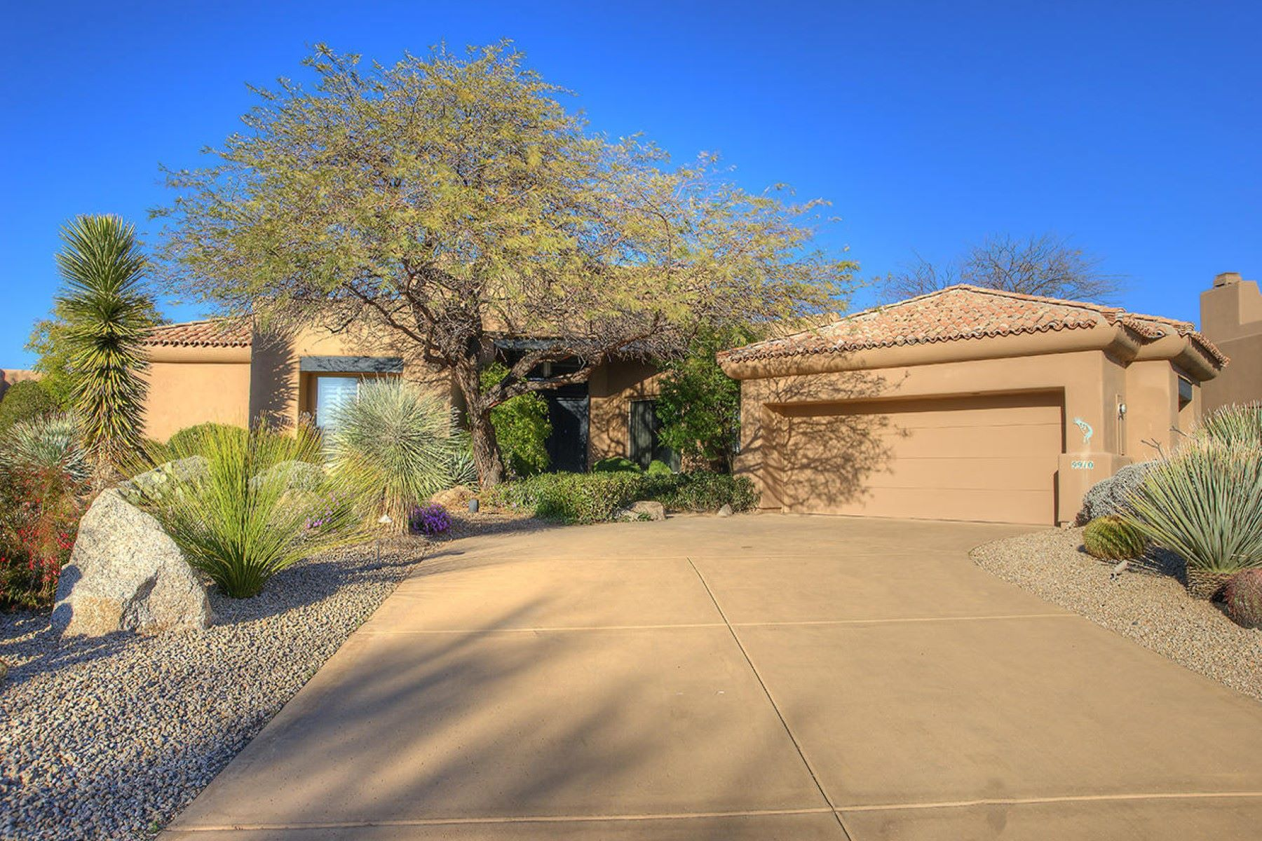 一戸建て のために 売買 アット Low maintenance lock and leave home on the 8th fairway 9910 E Hidden Green Dr Scottsdale, アリゾナ, 85262 アメリカ合衆国