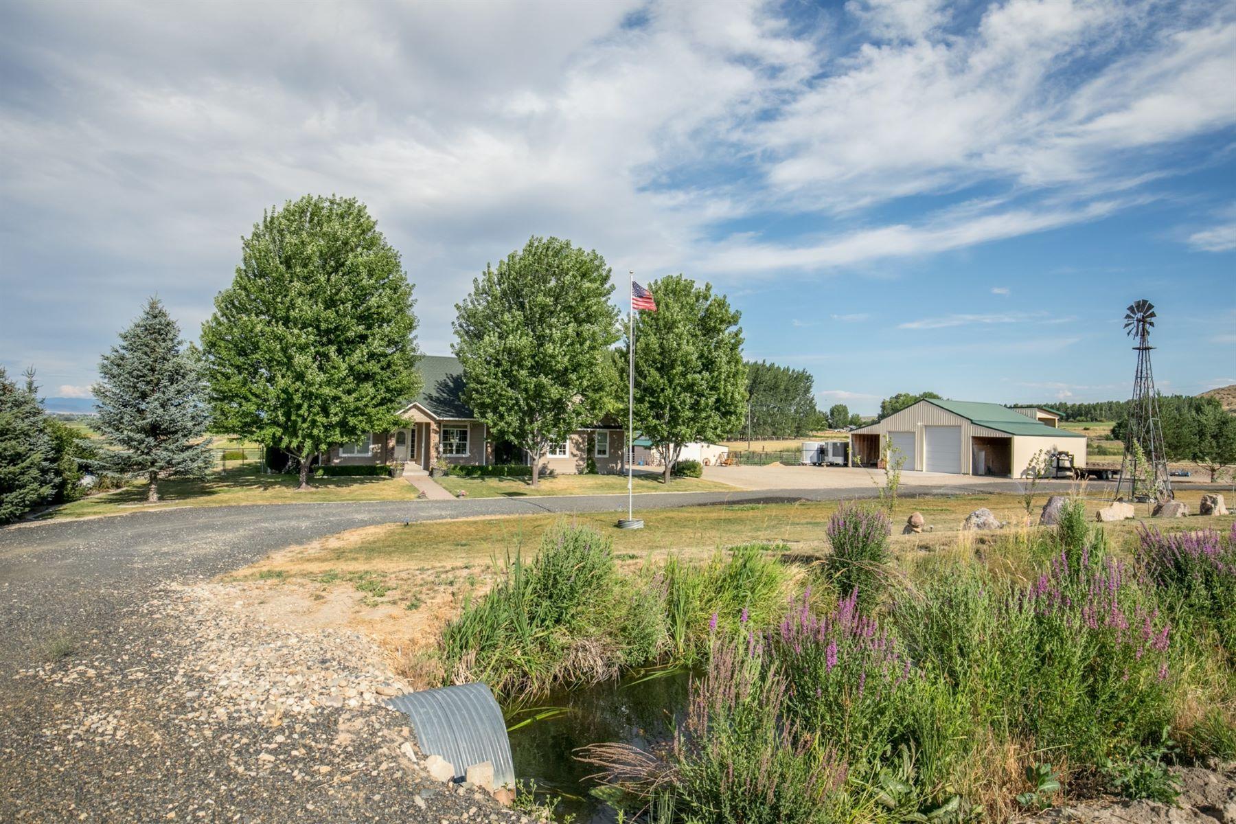 Single Family Homes pour l Vente à 3820 County Line Road, Emmett 3810 County Line Rd Emmett, Idaho 83617 États-Unis