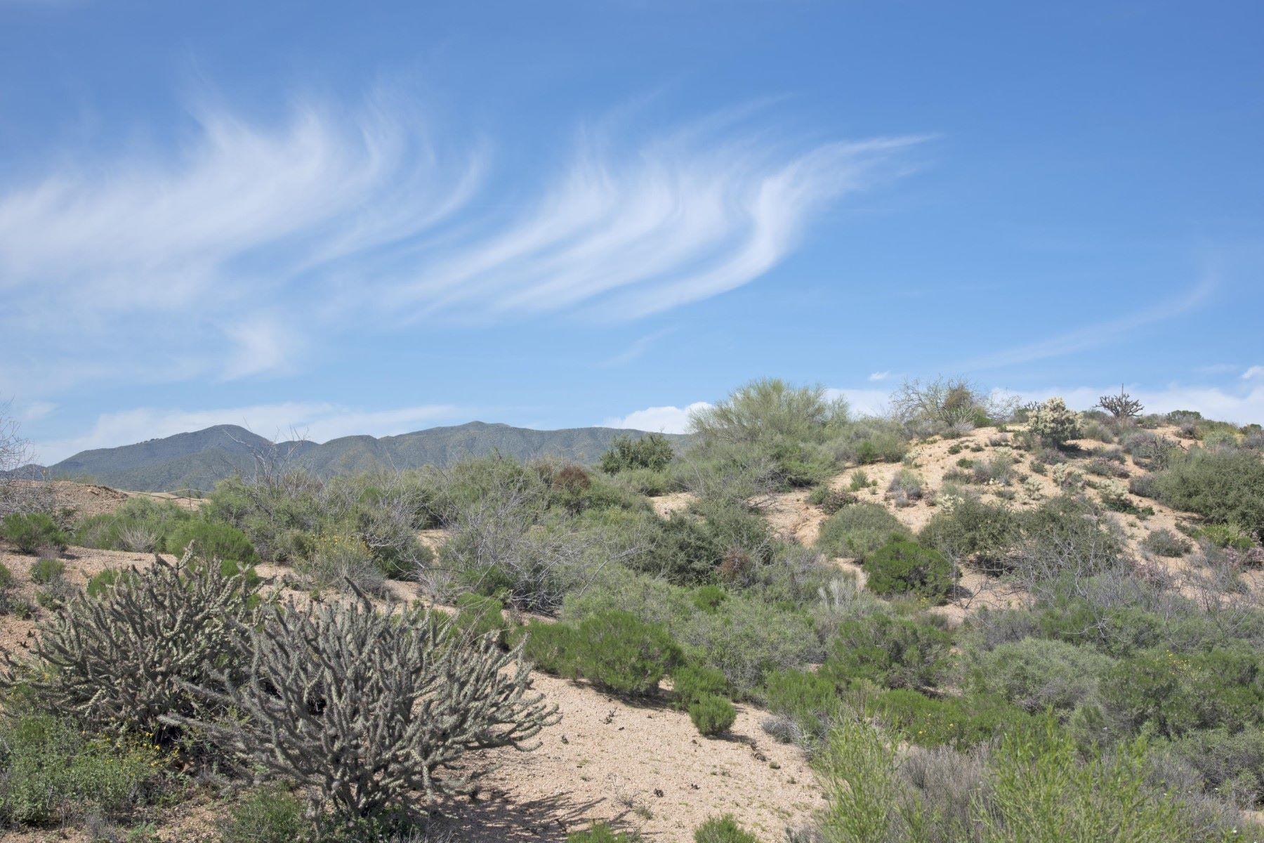 Terrain pour l Vente à Prestigious Hillside lot with abundance of views 10954 E Santa Fe Trl #19 Scottsdale, Arizona, 85262 États-Unis