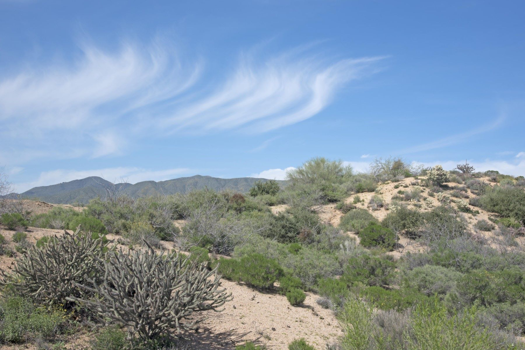 Terreno por un Venta en Prestigious Hillside lot with abundance of views 10954 E Santa Fe Trl #19 Scottsdale, Arizona, 85262 Estados Unidos