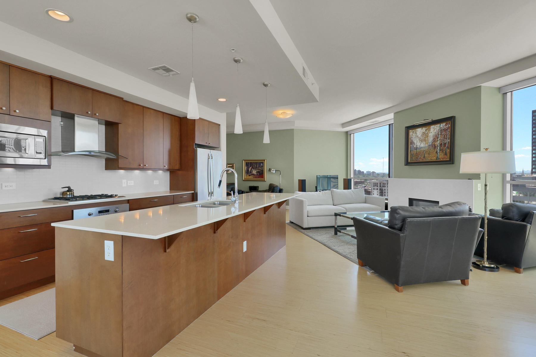 Additional photo for property listing at 20th FLOOR Extraordinary corner location 2001 Lincoln St #2011 Denver, Colorado 80202 United States