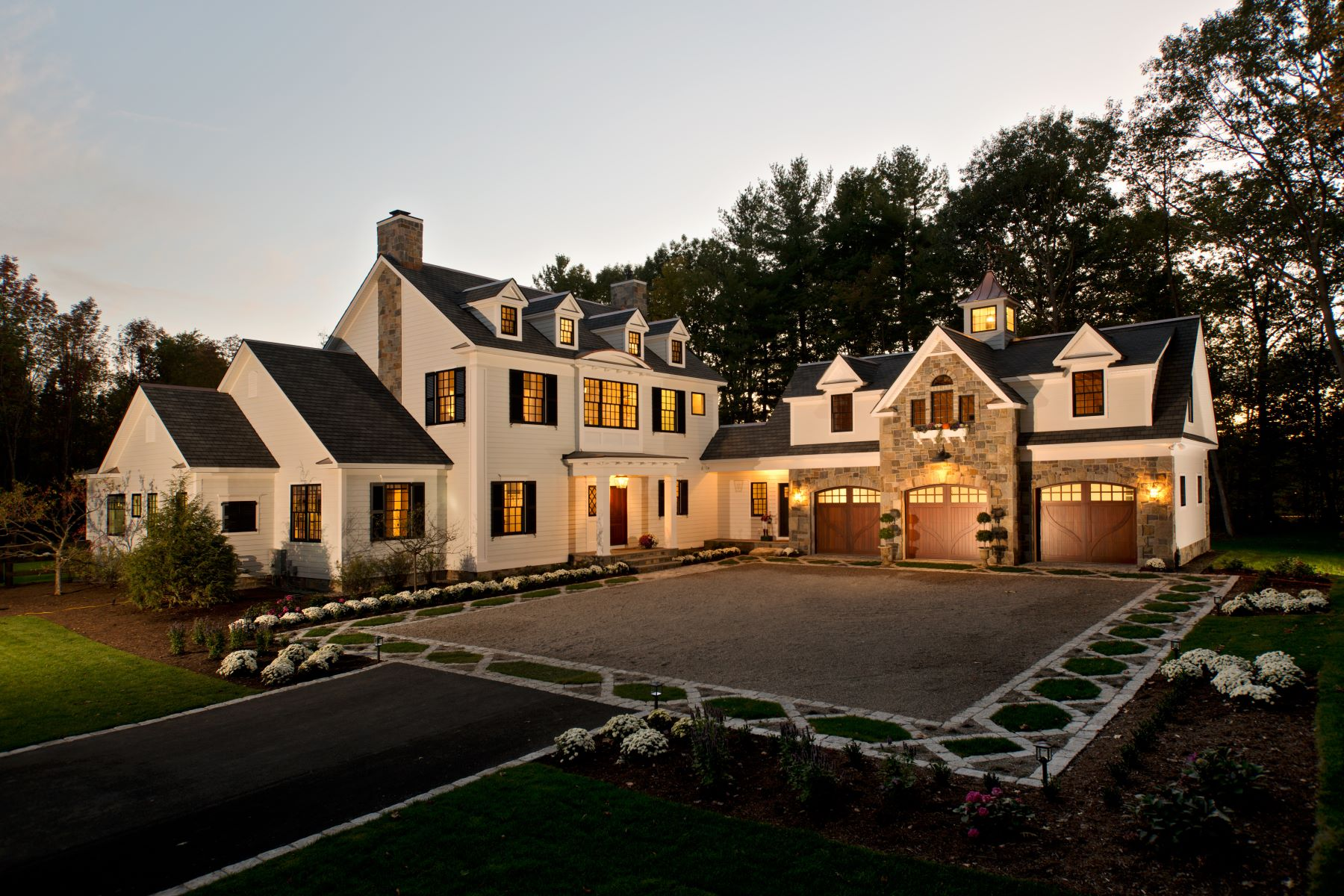 Single Family Homes för Försäljning vid Luxury Custom Built Home 01 Woodard Rd, Wilton, New York 12831 Förenta staterna