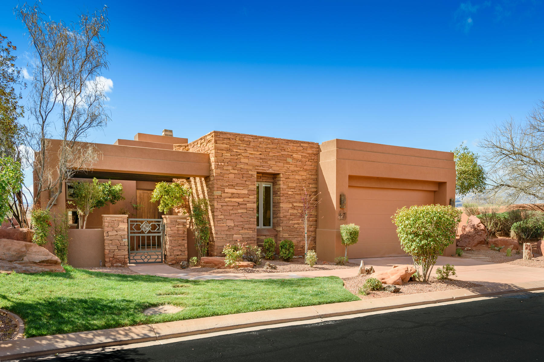 Single Family Homes for Sale at Own Your Own Retreat In Entrada 2410 W Entrada Trail #47 St. George, Utah 84770 United States