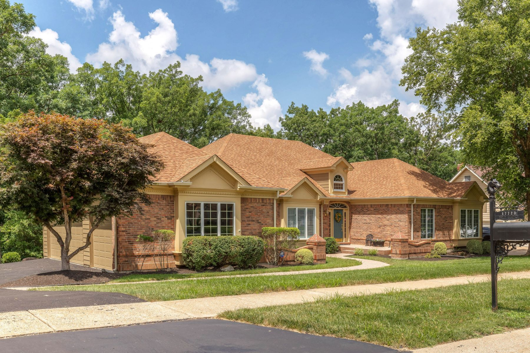 Single Family Home for Sale at Birch Leaf Ct 17720 Birch Leaf Ct Wildwood, Missouri 63005 United States