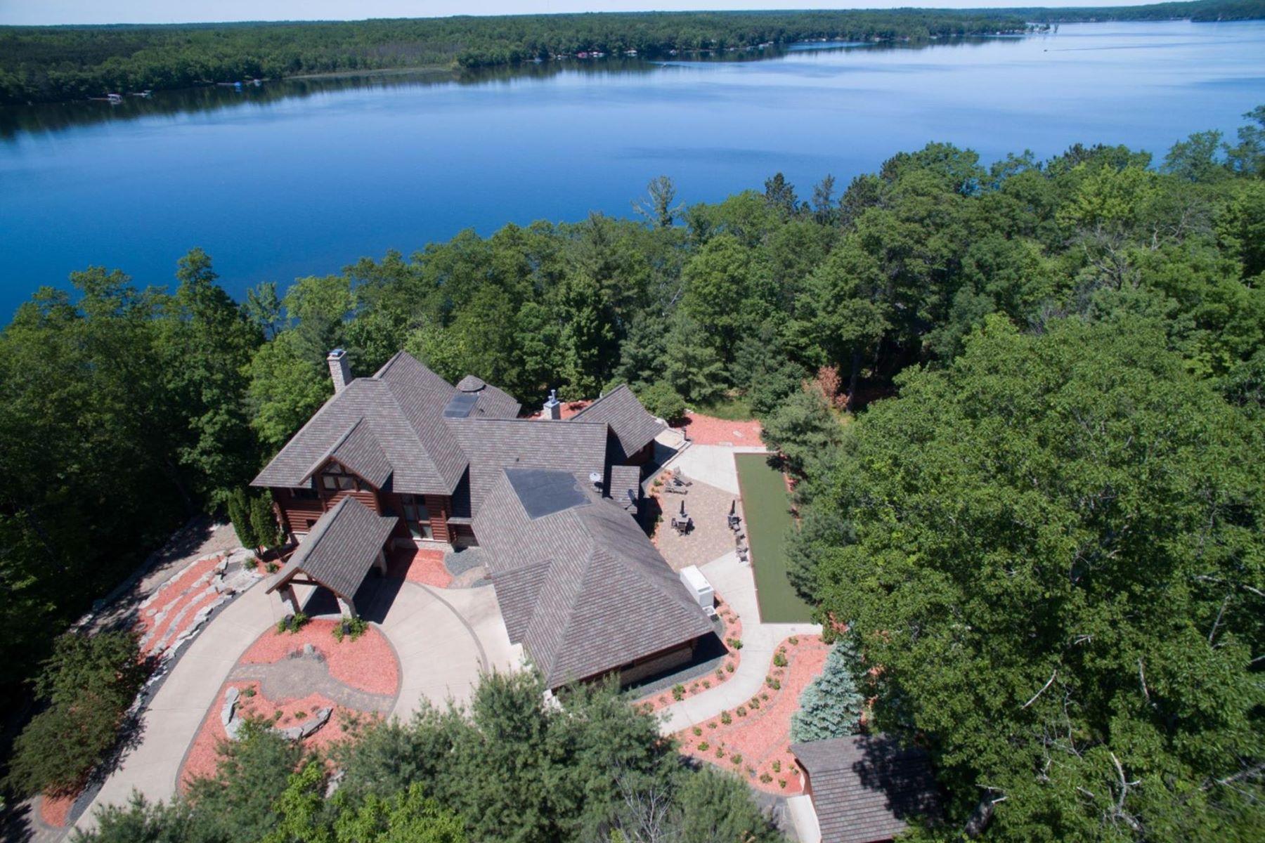 独户住宅 为 销售 在 1204 Meadow Creek Drive Spooner, 威斯康星州, 54801 美国