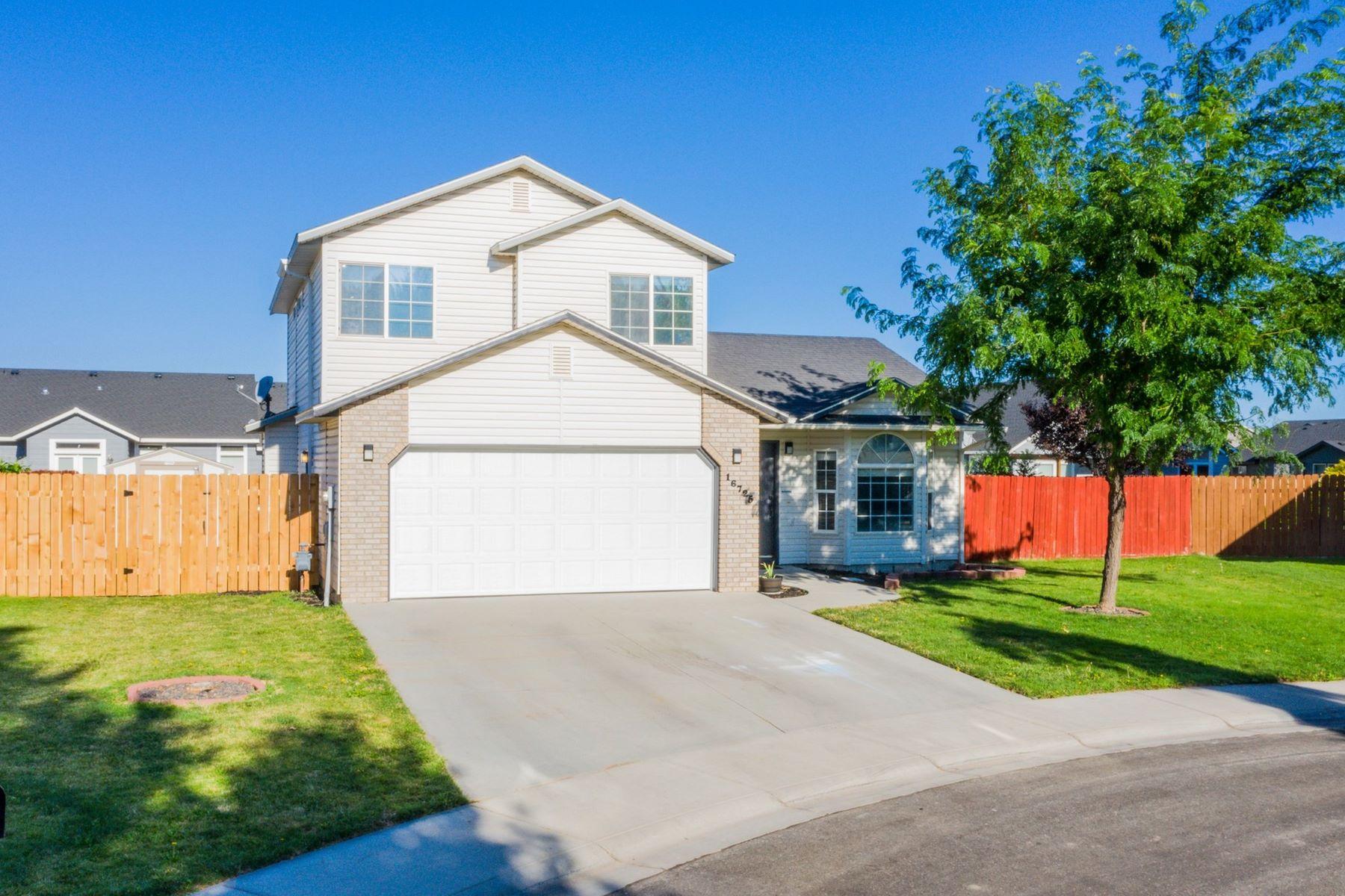 Single Family Homes for Active at 16725 Tullamore, Nampa 16725 Tullamore Nampa, Idaho 83687 United States